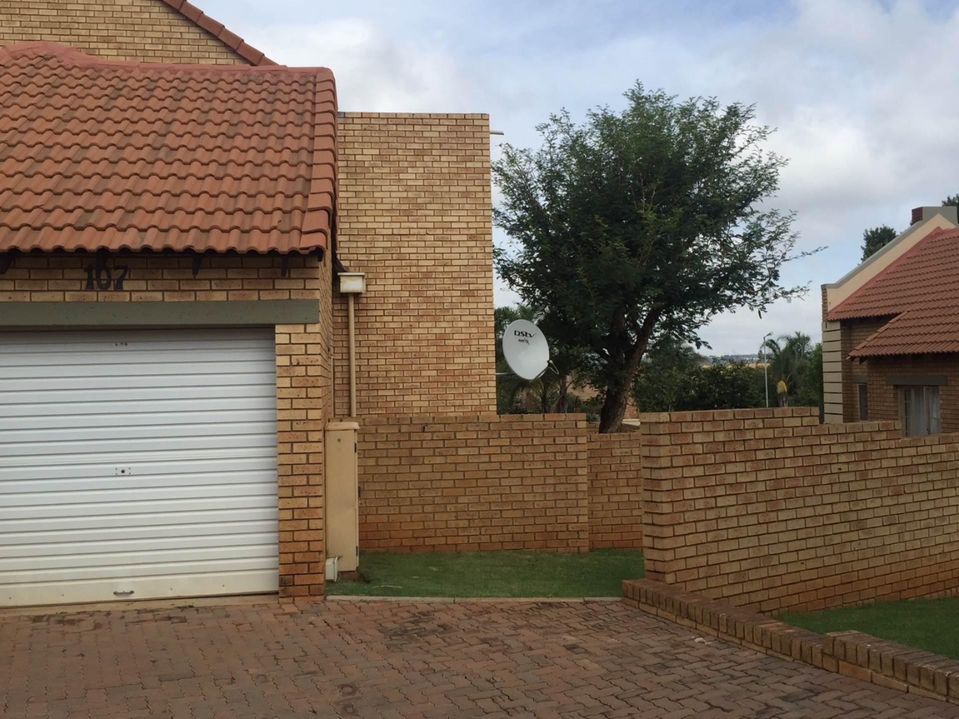 Apartment To Rent In Mooikloof Ridge Pretoria For R 6 500