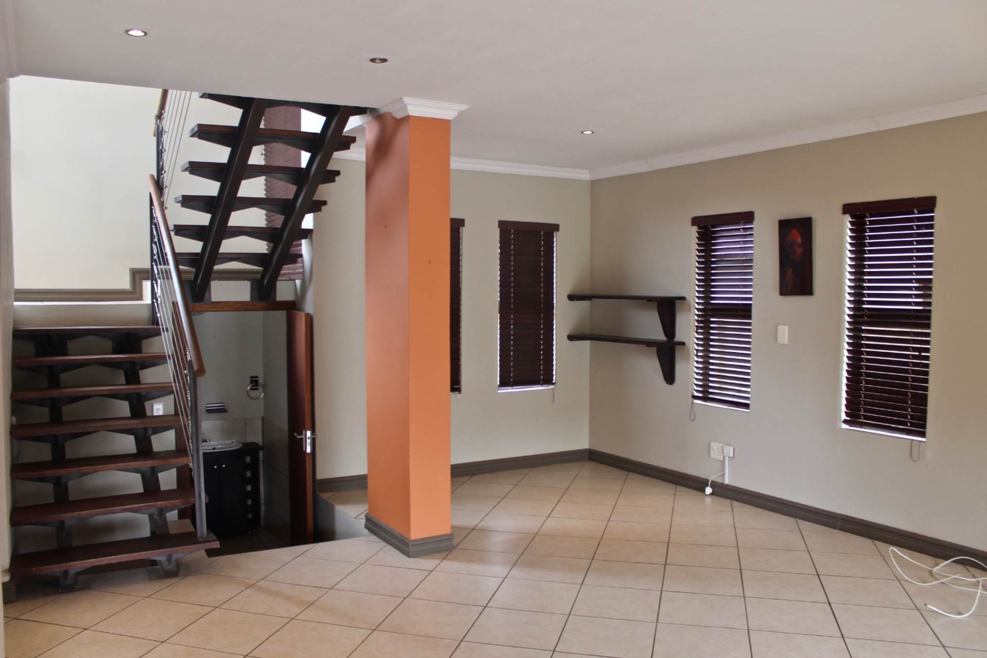 Townhouse For Sale In Woodland Hills Bloemfontein For R 1