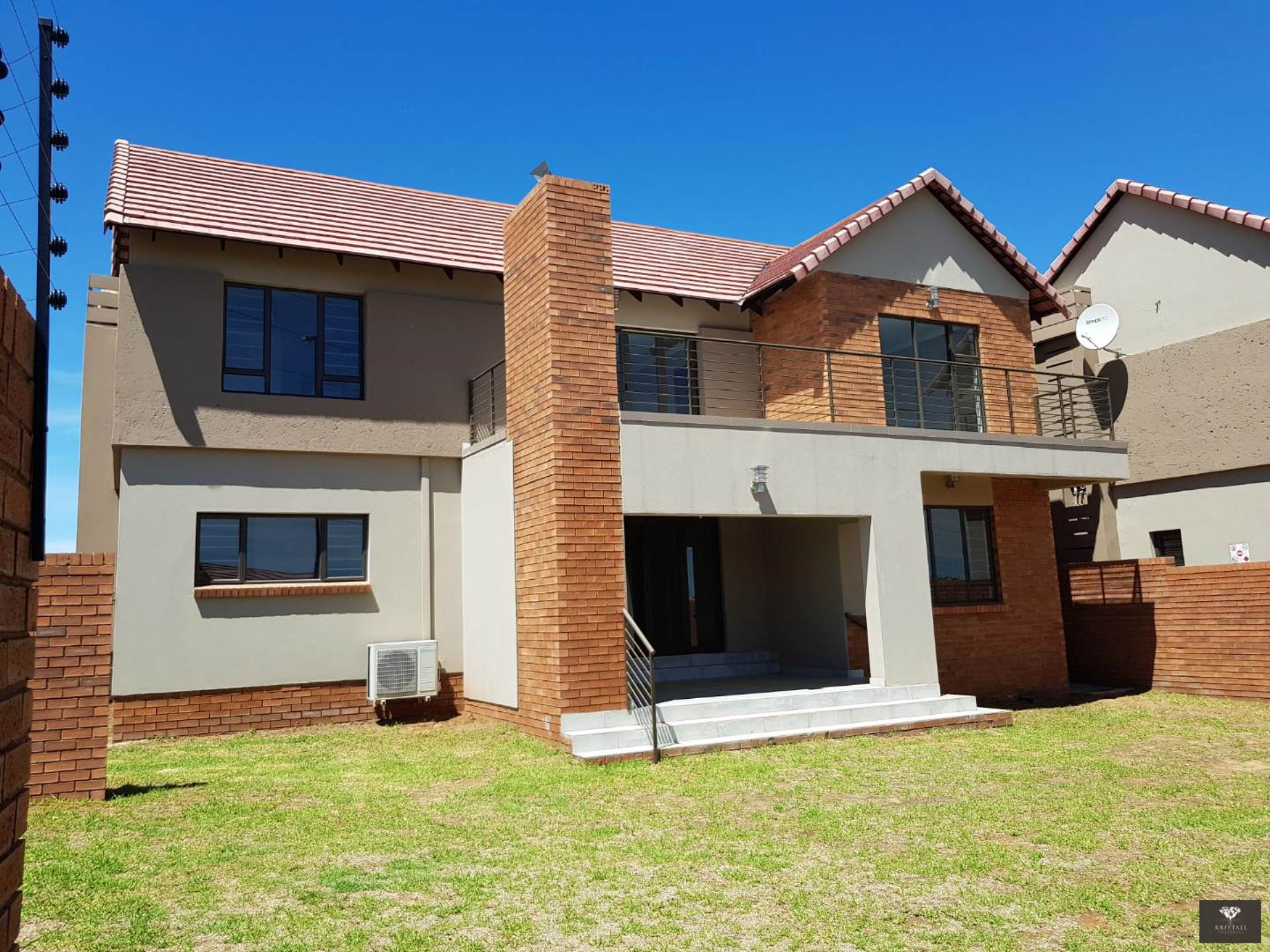 Front view of the duplex unit with braai room