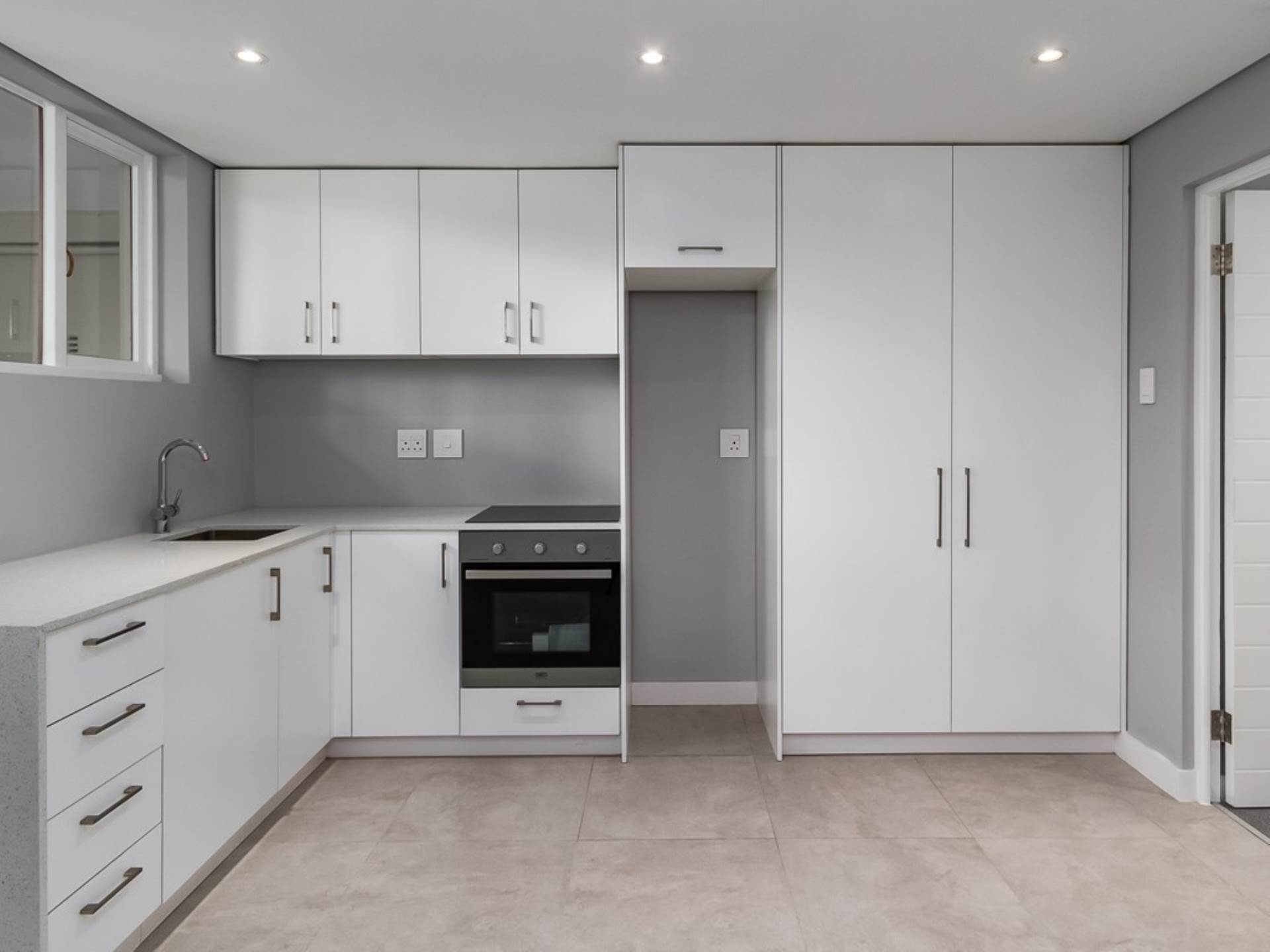 Apartment For Sale In Sea Point, Cape Town, Western Cape for