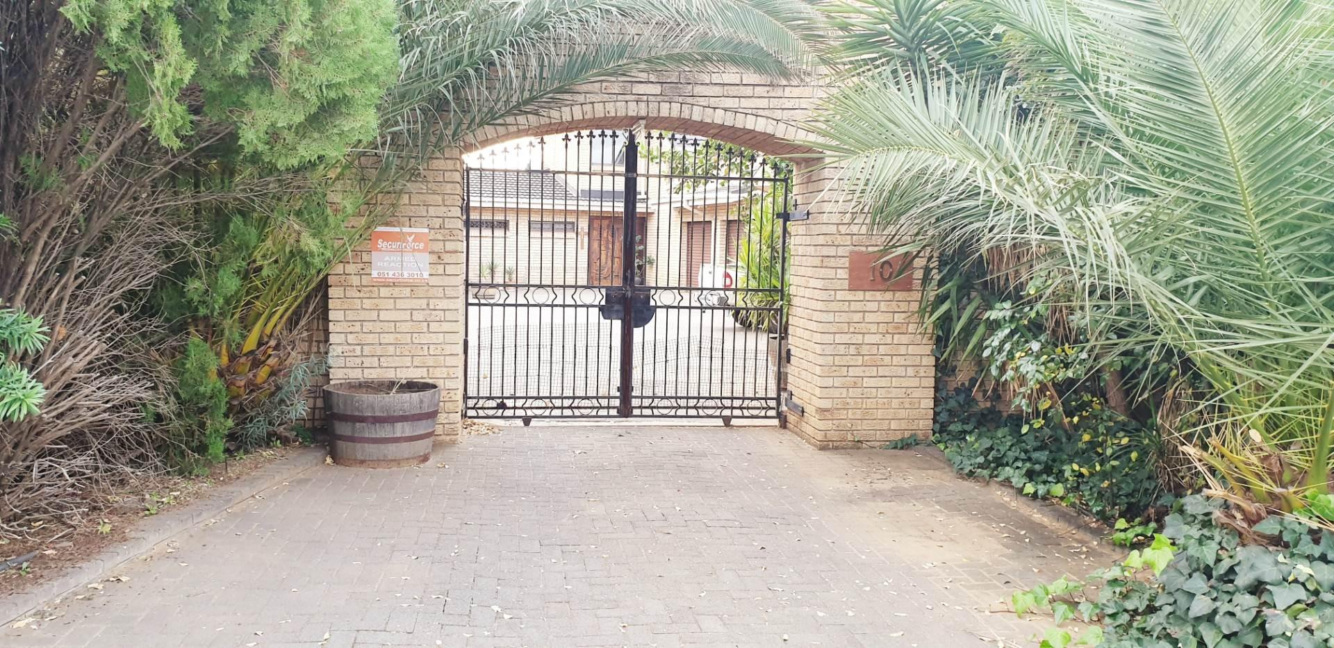 Entrance secure