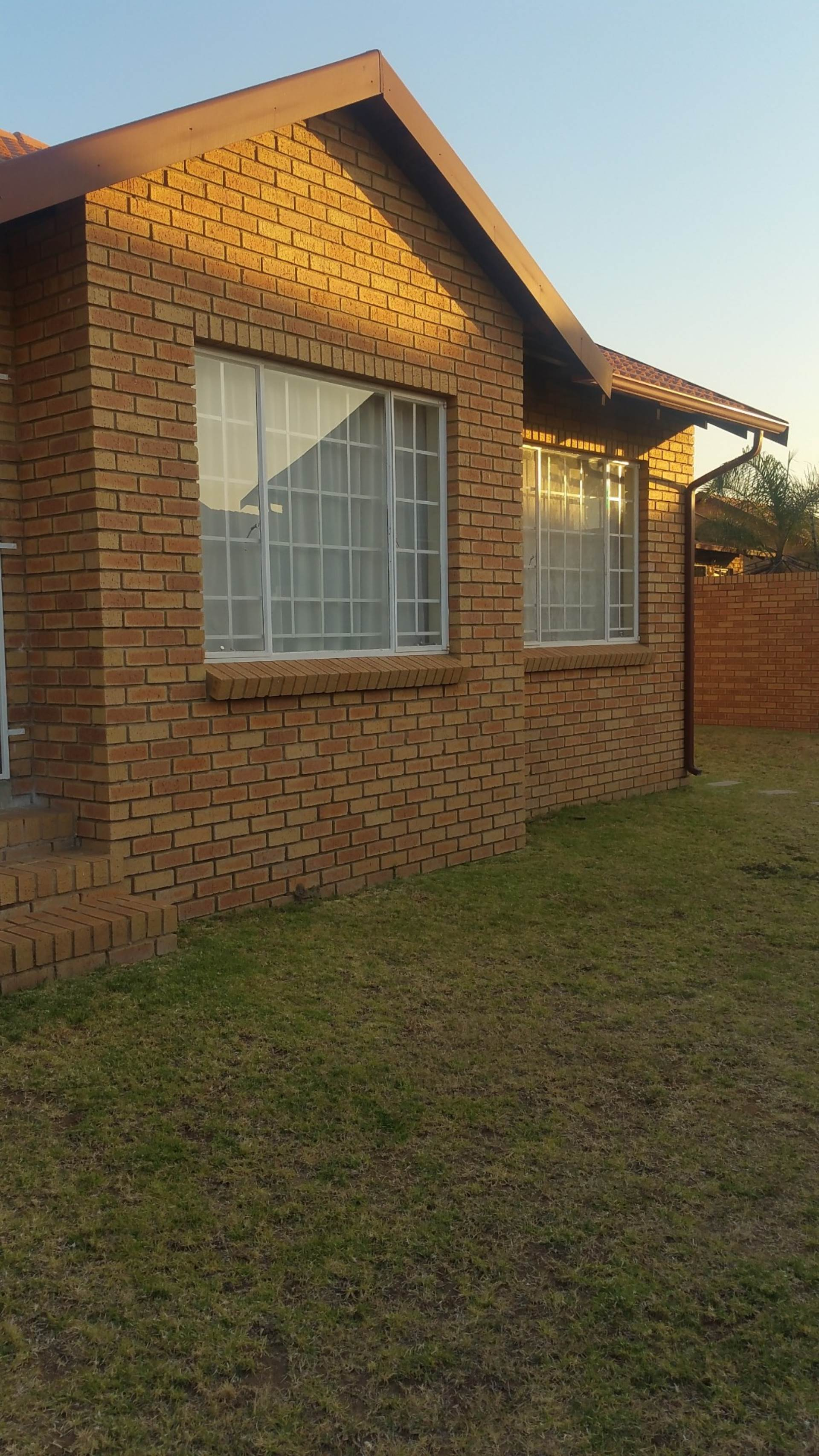 Townhouse To Rent In The Reeds & Ext, Centurion, Gauteng for R 9,000