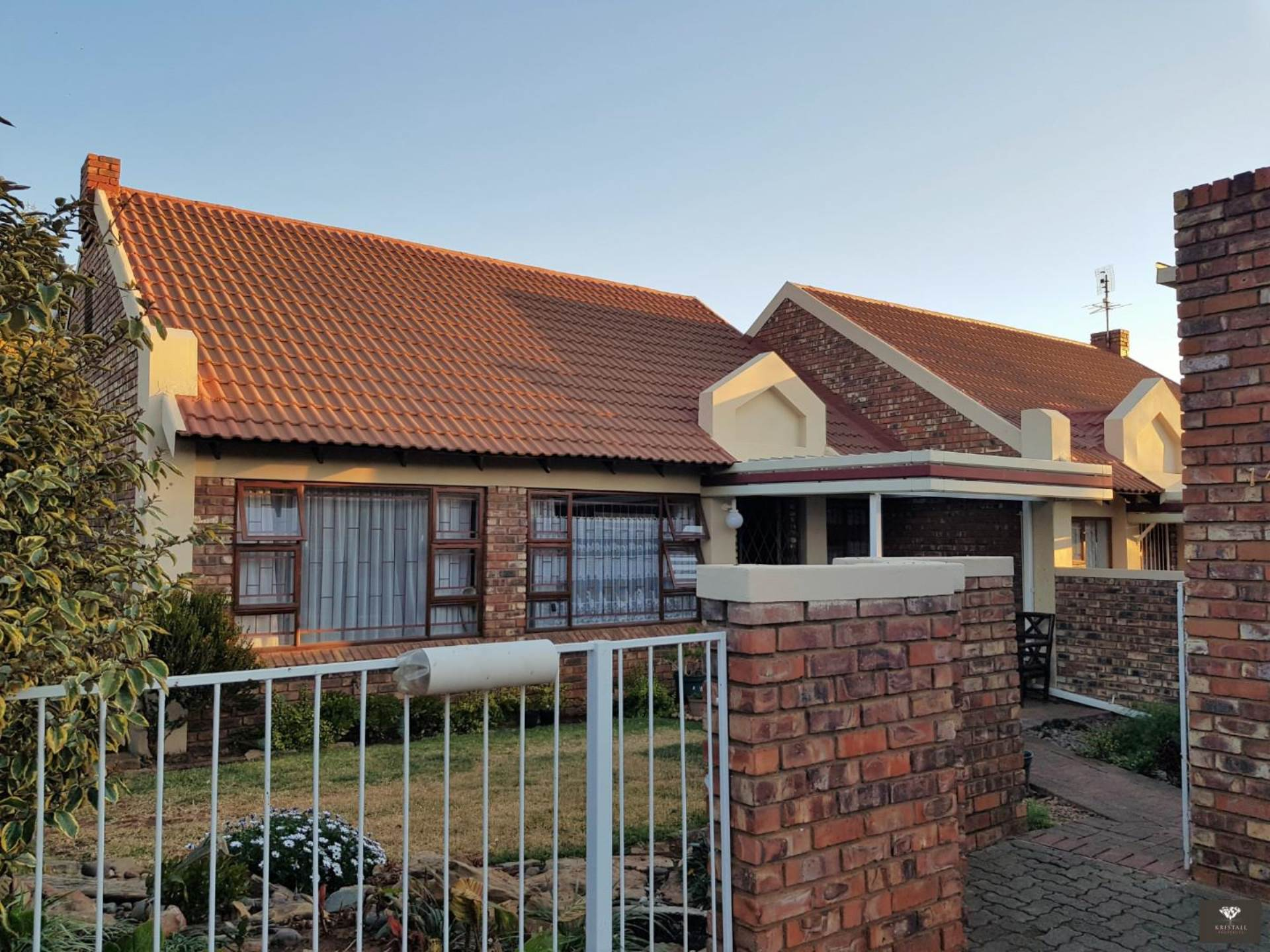 Beautiful well maintained unit and garden