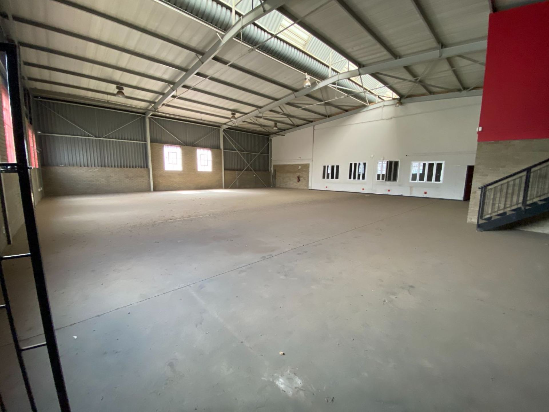 Warehouse and Office combination to let Midrand