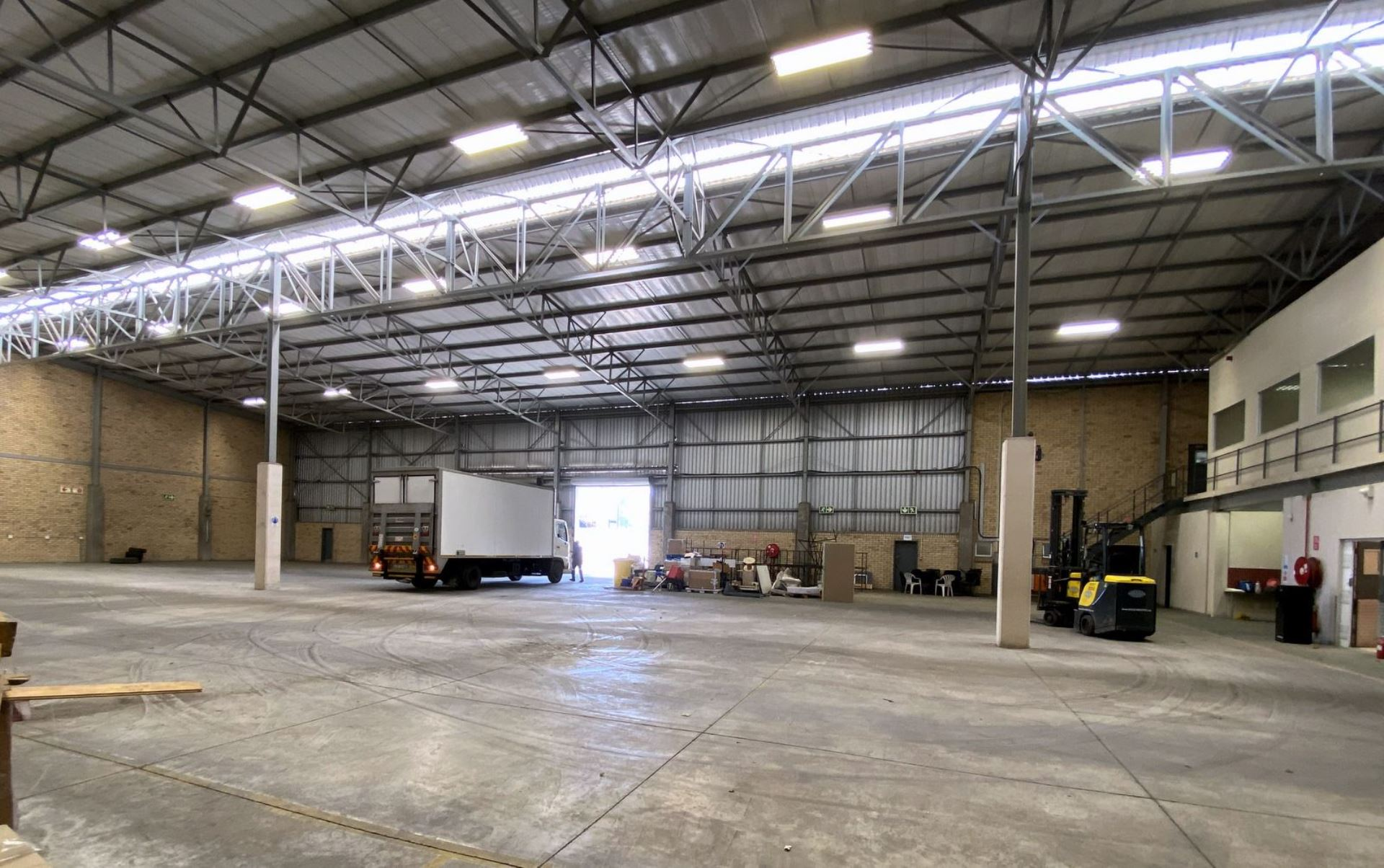 Corporate Park South Warehouse and Office Combo To Let 2270m2 Midrand