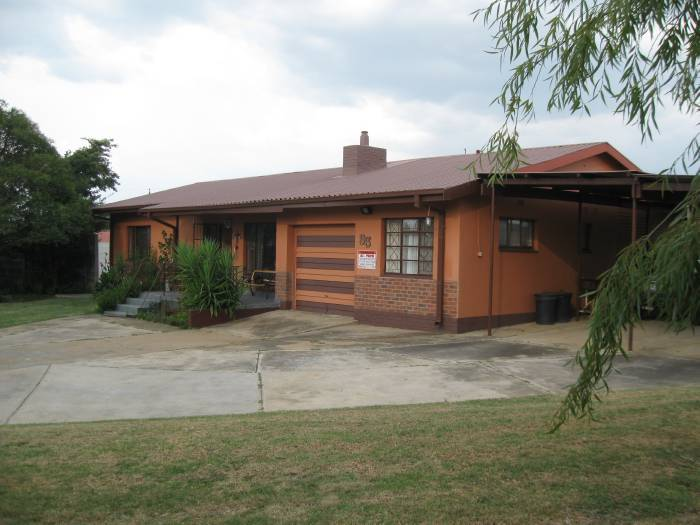 3 Bedroom House for sale in Machadodorp 580395 : photo#1
