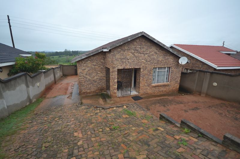 3 BedroomHouse For Sale In Hillsview