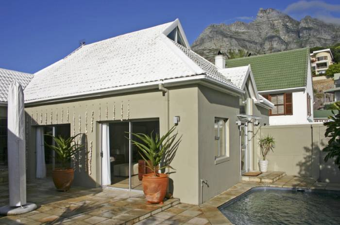 2 BedroomHouse To Rent In Camps Bay
