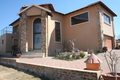 3 BedroomHouse For Sale In Kungwini Manor