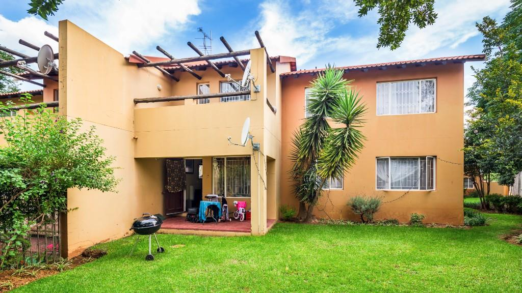Apartment Pending Sale In North Riding Randburg Gauteng