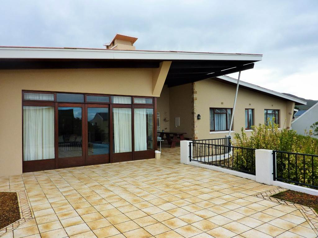 4 BedroomHouse For Sale In Klein Berlyn