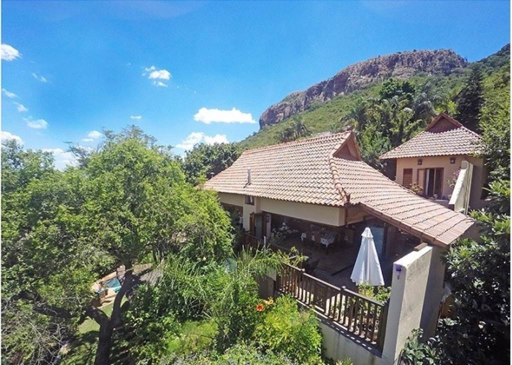 9 BedroomGuest House For Sale In Kosmos