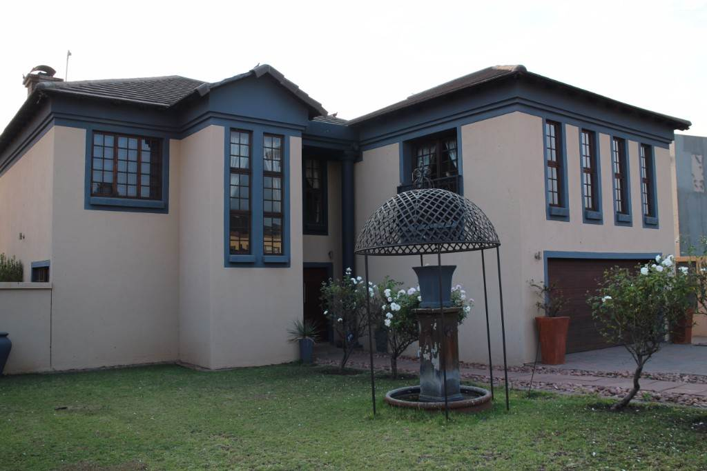 Property and Houses for sale in Willow Acres Estate, House, 4 Bedrooms - ZAR 3,200,000
