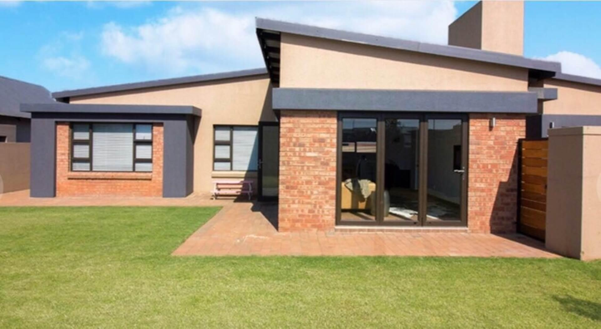 3 BedroomHouse Pending Sale In Midstream Estate