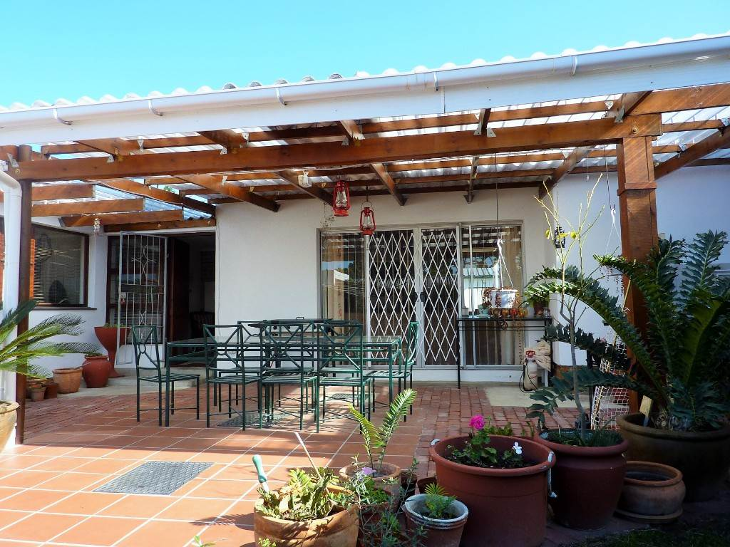 3 BedroomHouse For Sale In Kleinmond Central