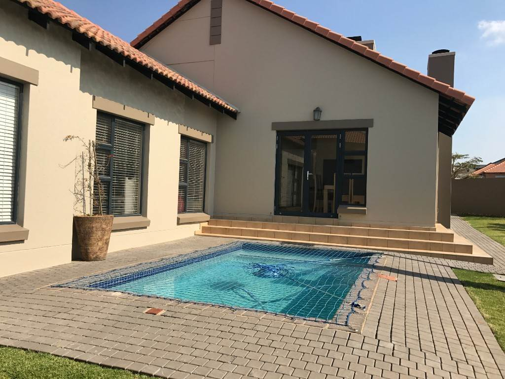 3 BedroomHouse For Sale In Midstream Estate