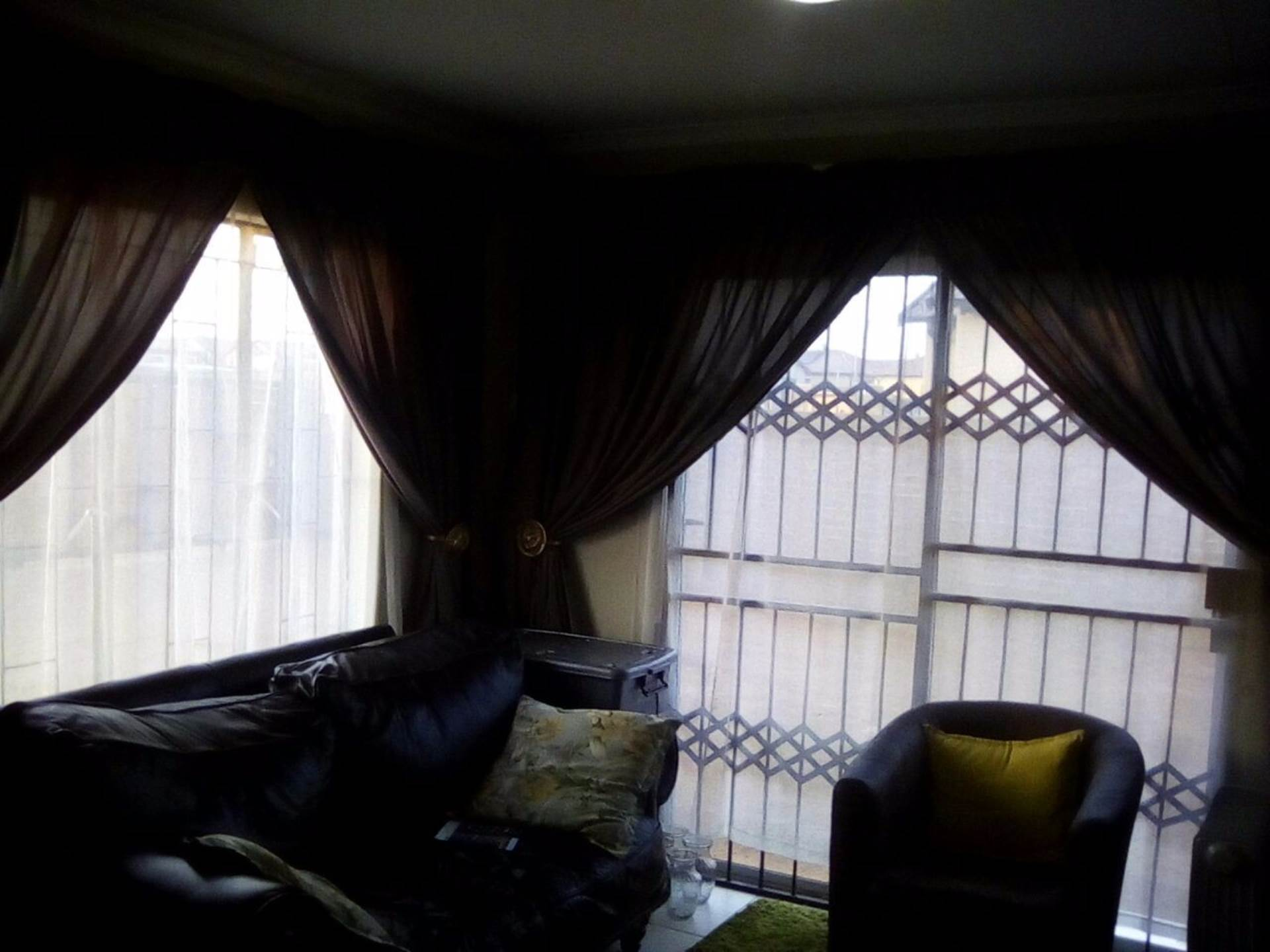 Soshanguve East property for sale. Ref No: 13534132. Picture no 9