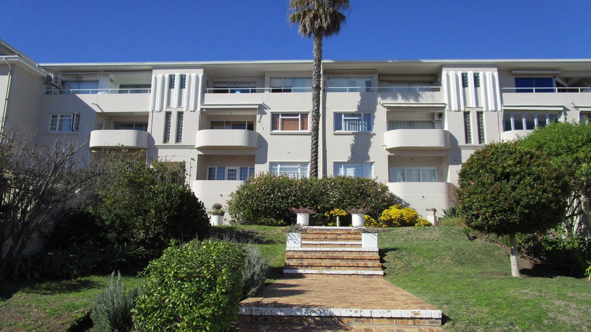 Bantry Bay for sale property. Ref No: 13534836. Picture no 7