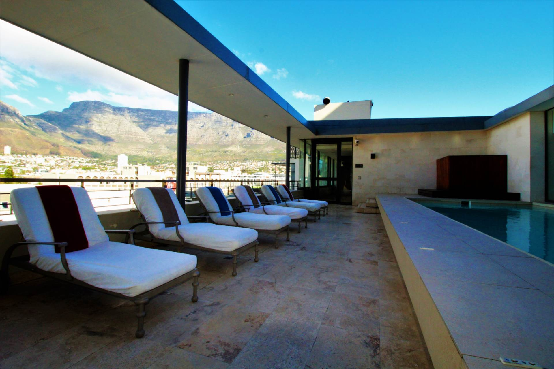 Cape Town property for sale. Ref No: 13534756. Picture no 8