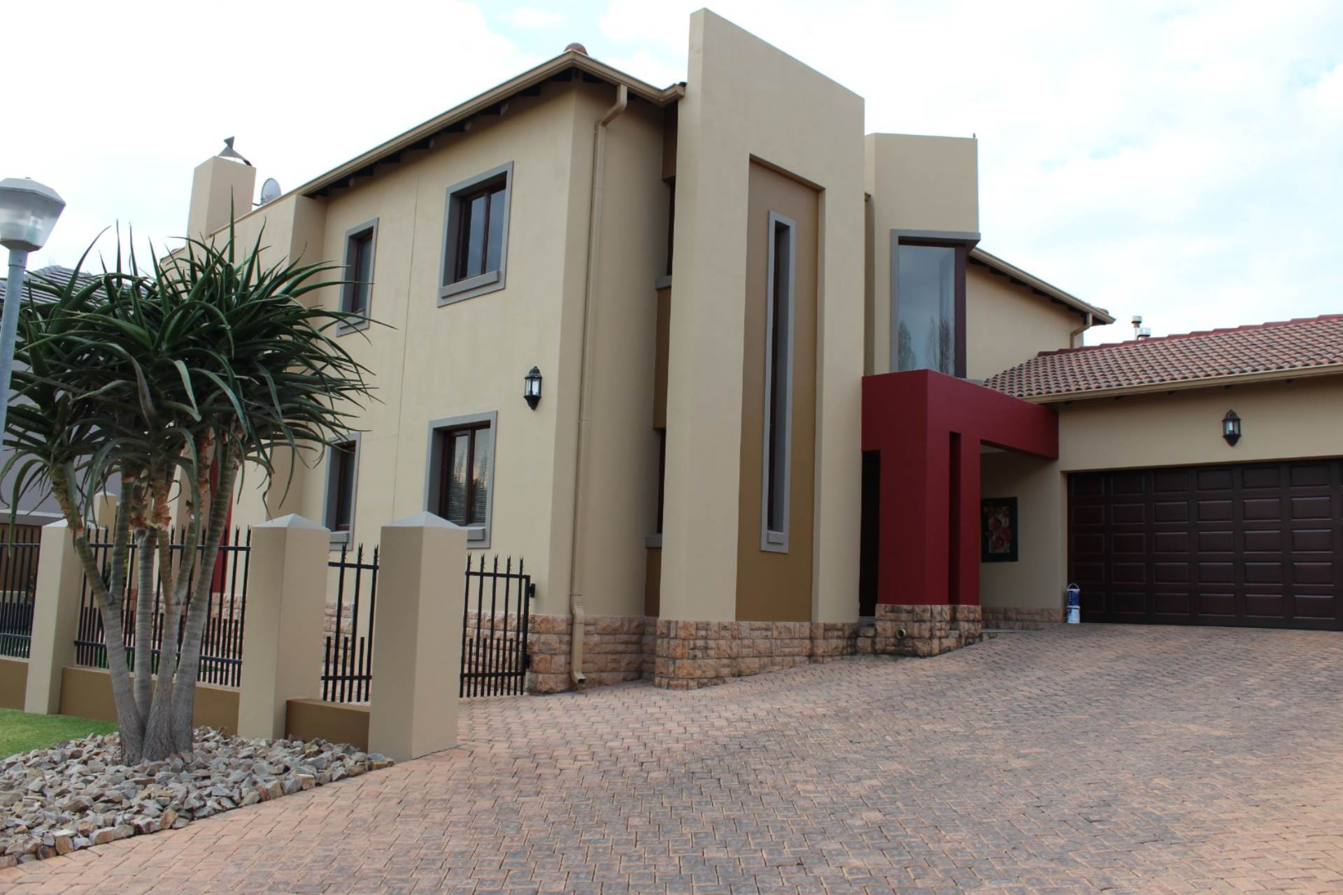Property and Houses for sale in Rietvalleirand Ext 33, House, 3 Bedrooms - ZAR 3,700,000