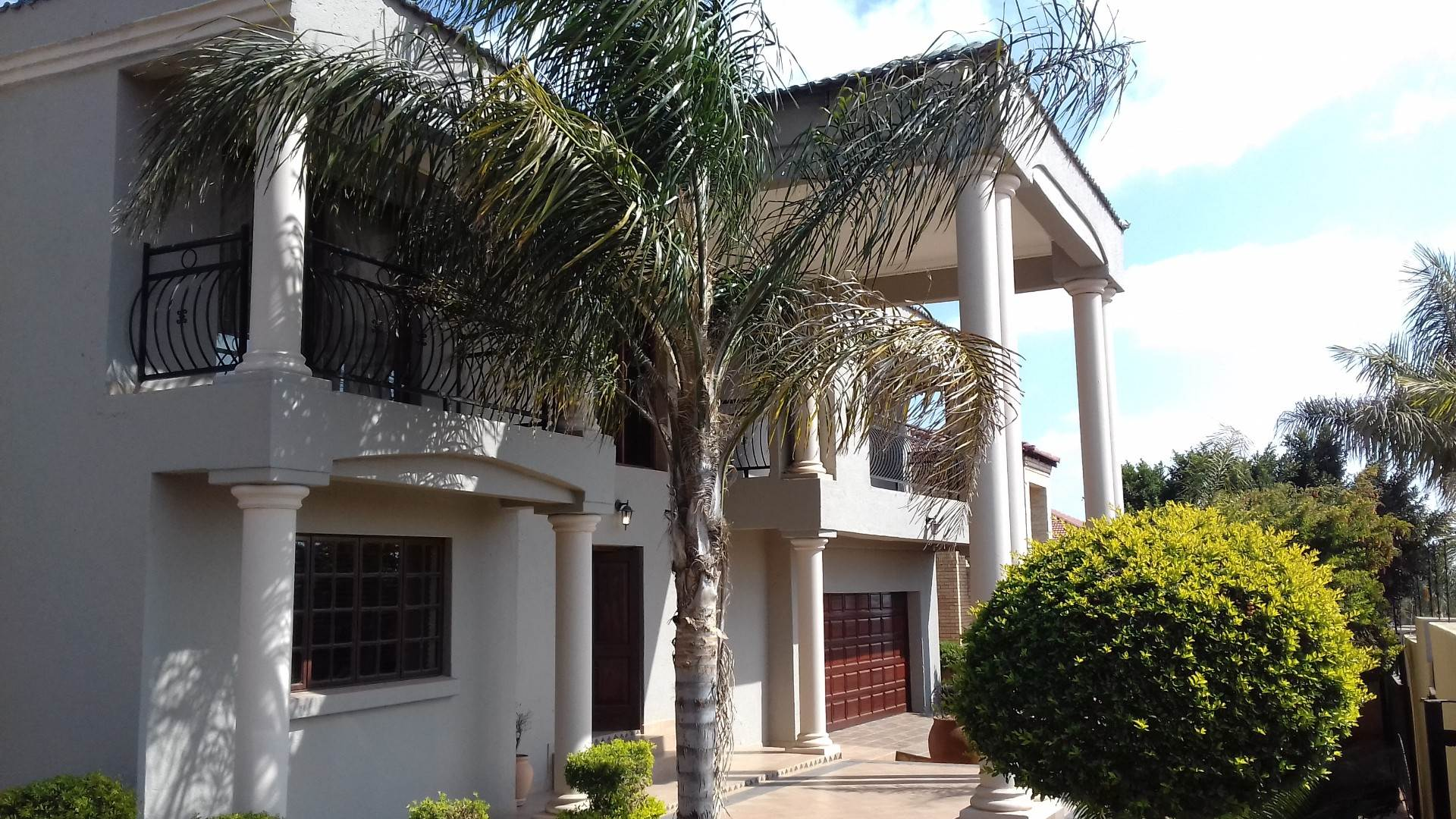 5 BedroomHouse For Sale In Sterpark