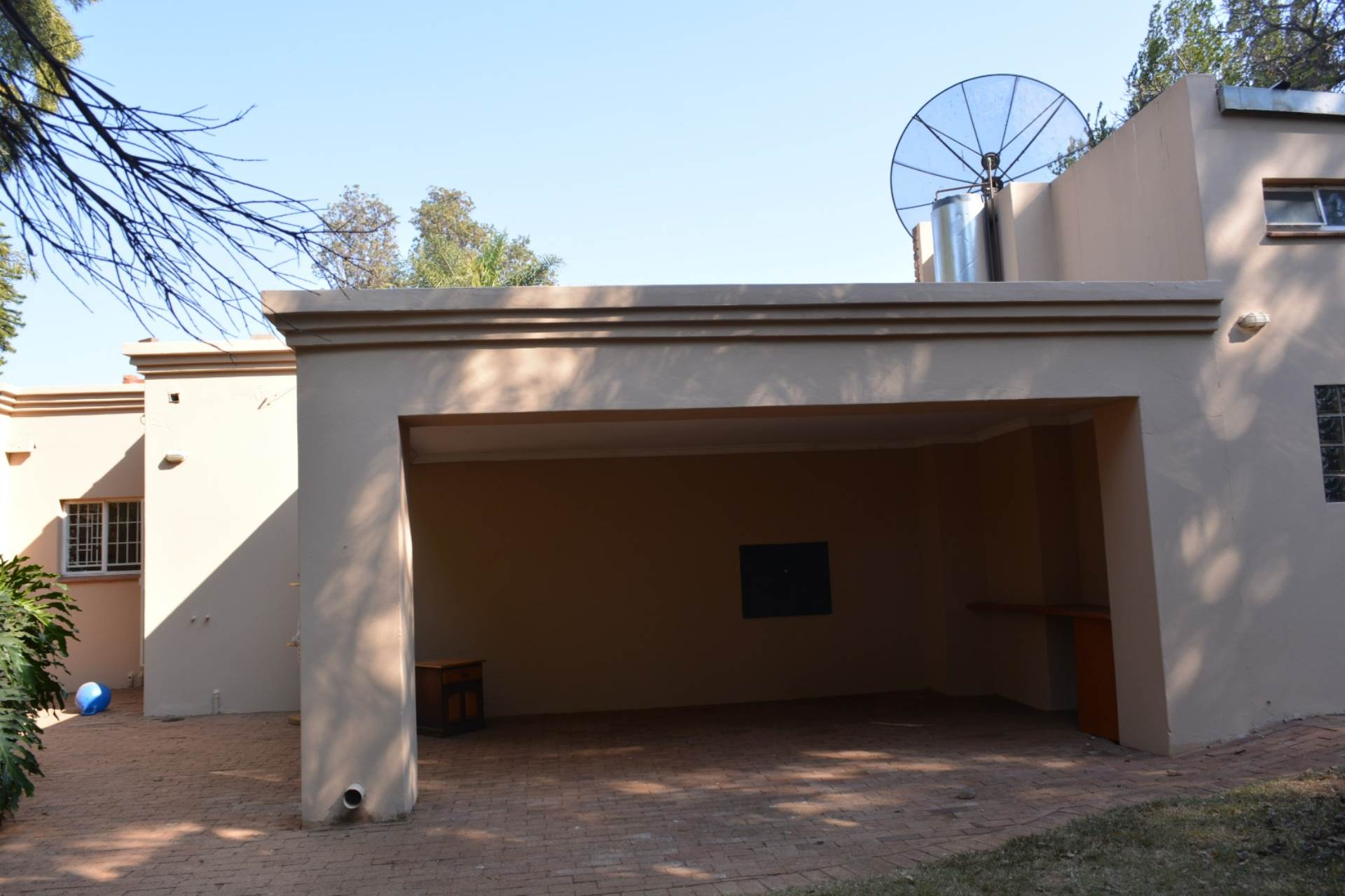 Waterkloof Ridge property to rent. Ref No: 13534908. Picture no 23