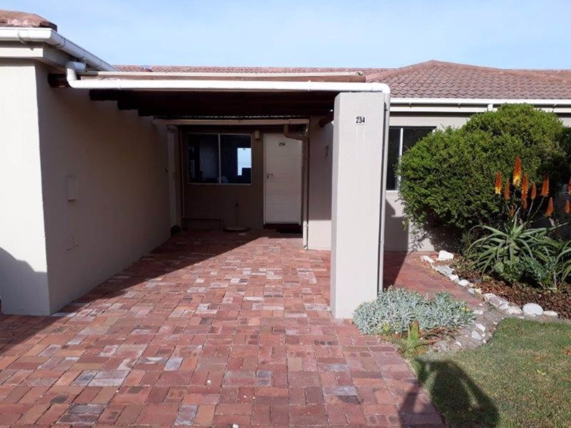 3 BedroomTownhouse For Sale In Westcliff