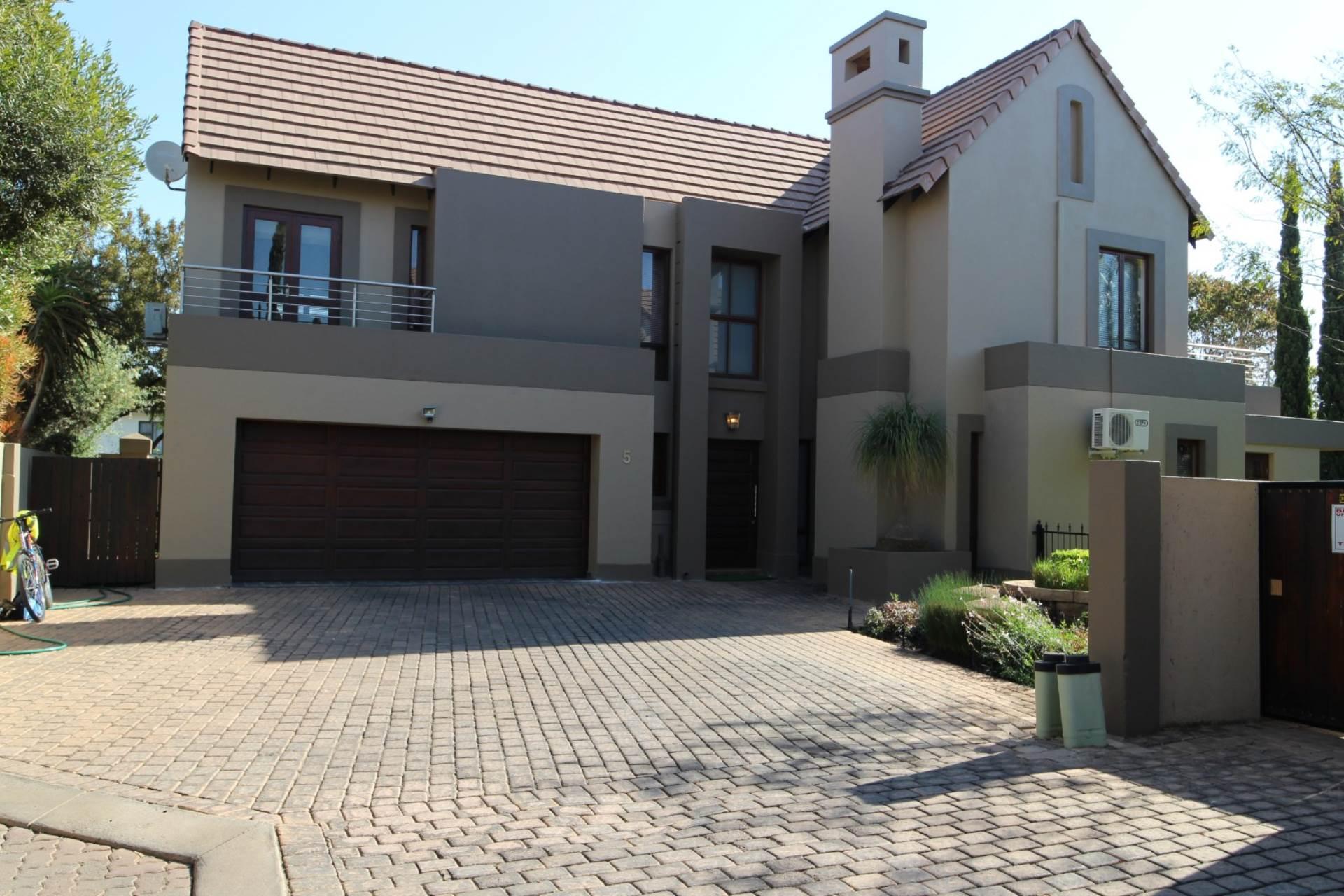 Silver Stream property for sale. Ref No: 13534544. Picture no 40