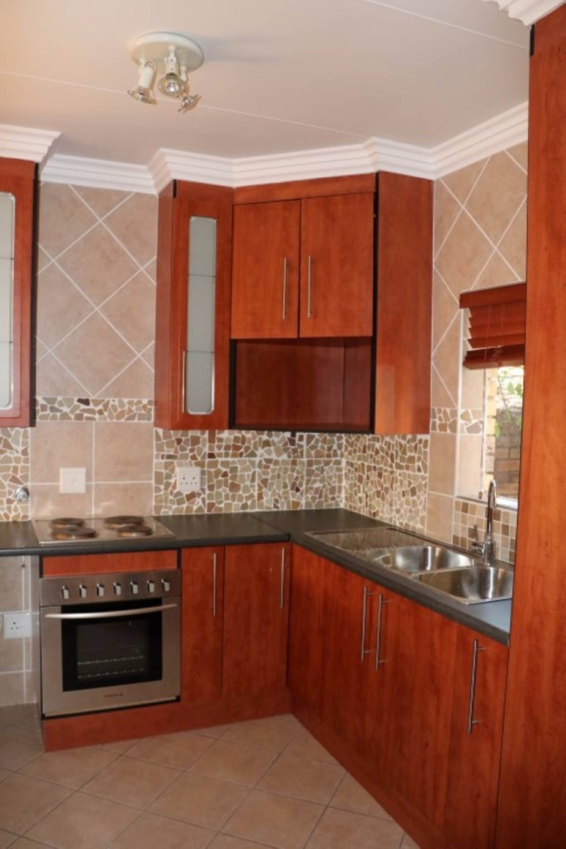 Mooikloof Ridge property for sale. Ref No: 13534155. Picture no 5
