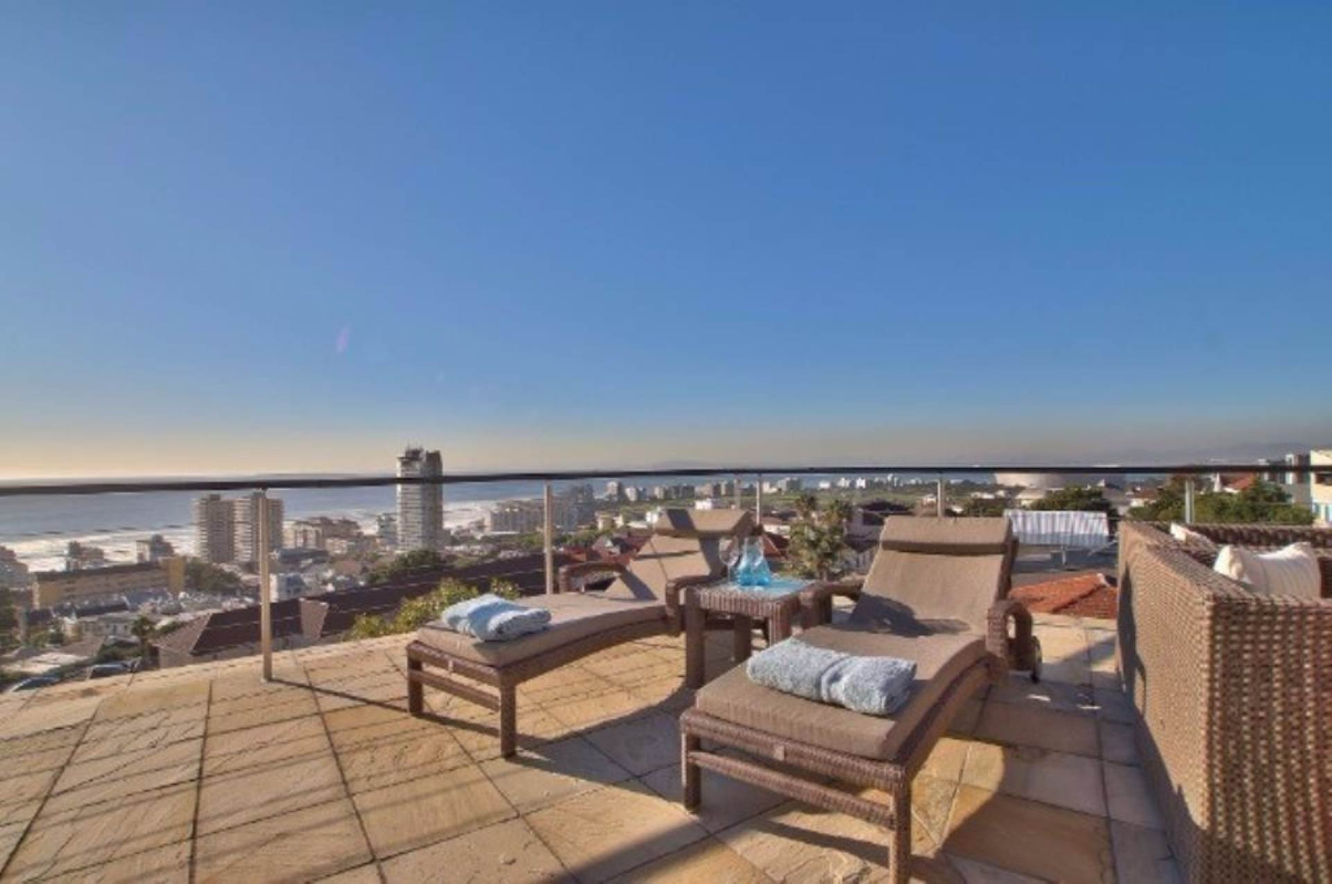 Sea Point property for sale. Ref No: 13539540. Picture no 5