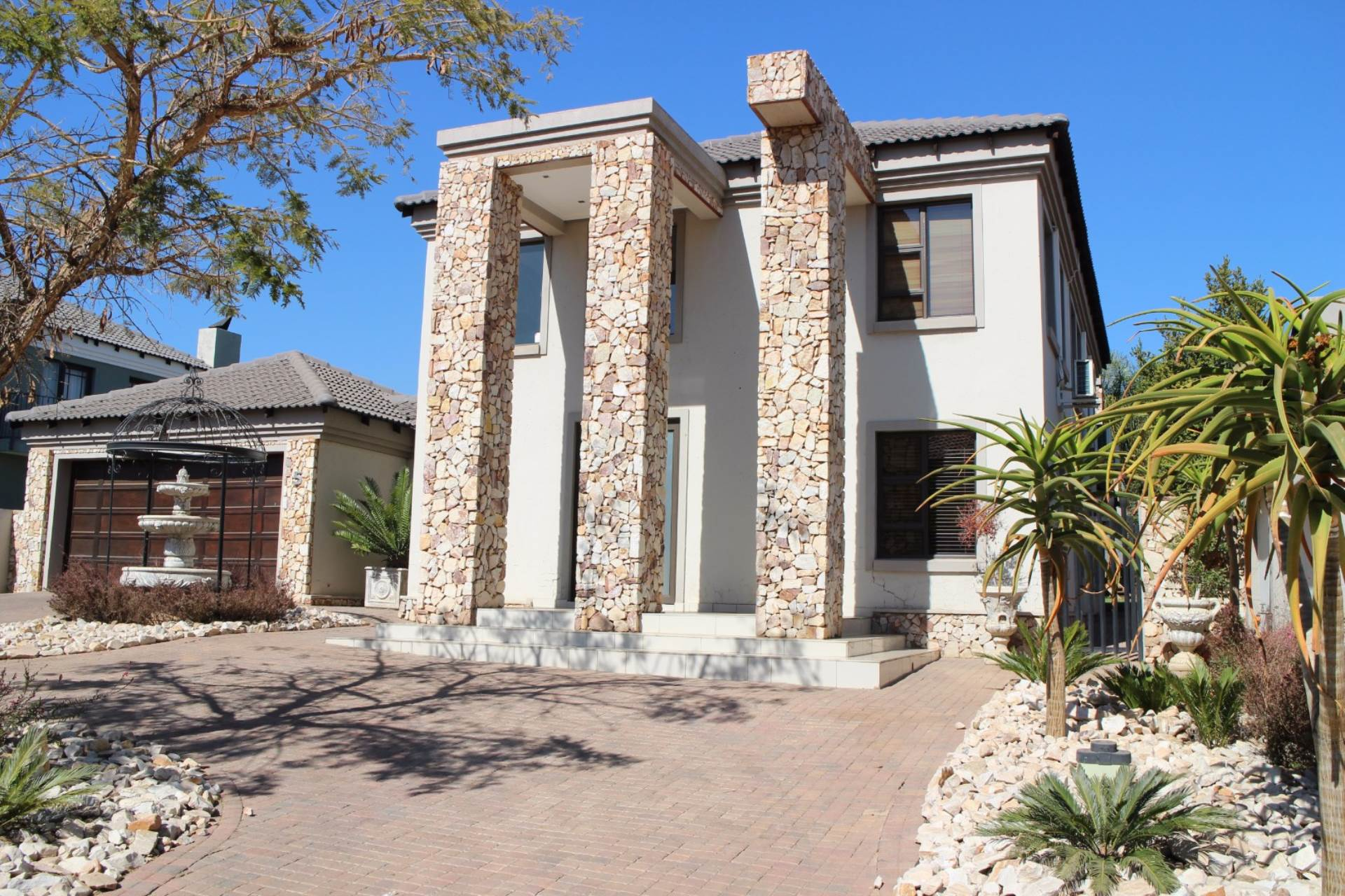 Property and Houses for sale in Willow Acres Estate, House, 3 Bedrooms - ZAR 3,150,000