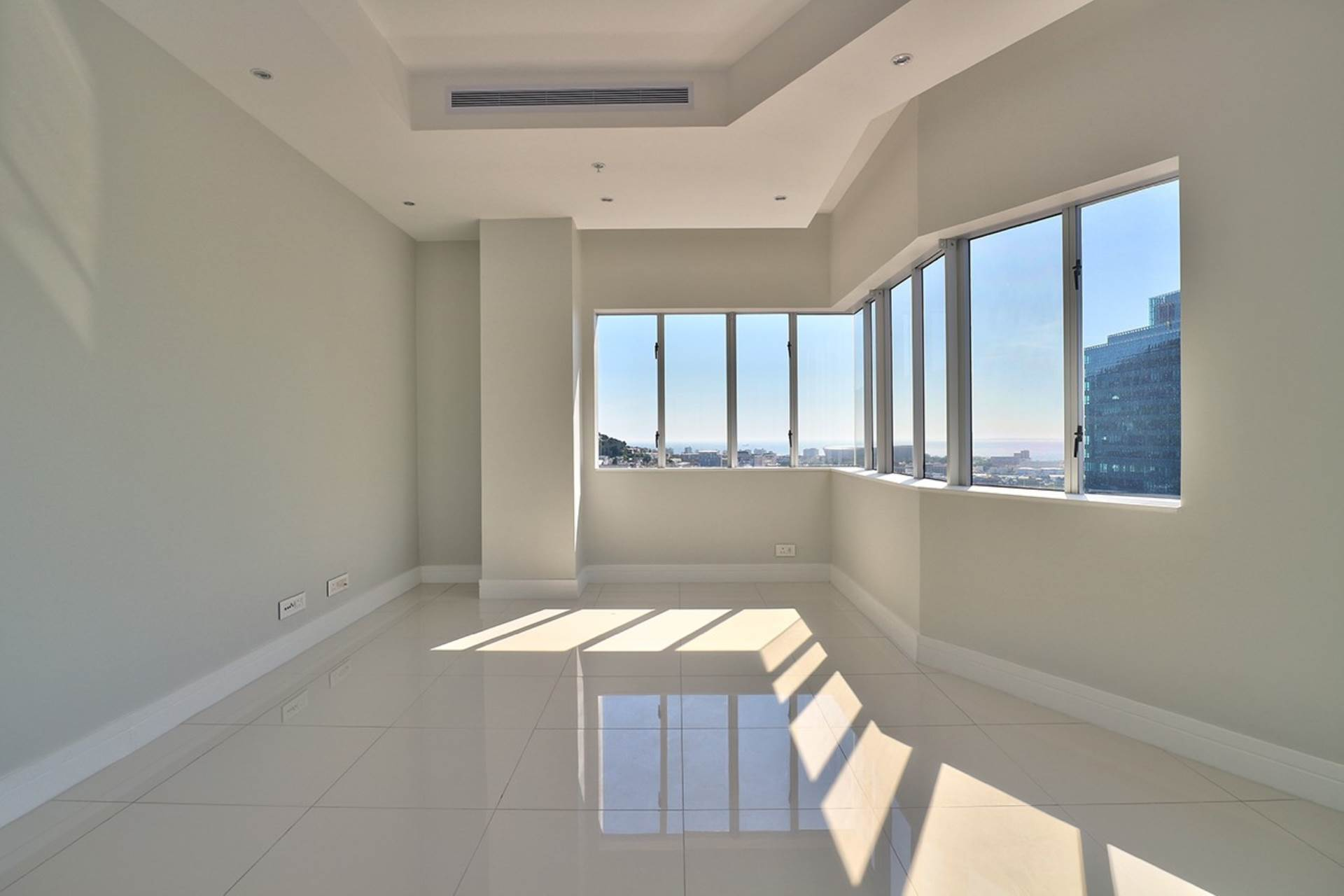 Cape Town property for sale. Ref No: 13534732. Picture no 4