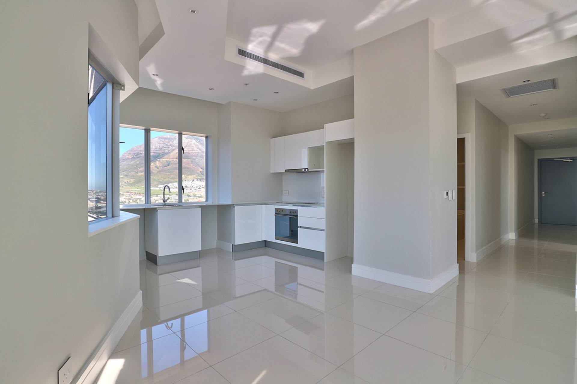Cape Town property for sale. Ref No: 13534732. Picture no 7