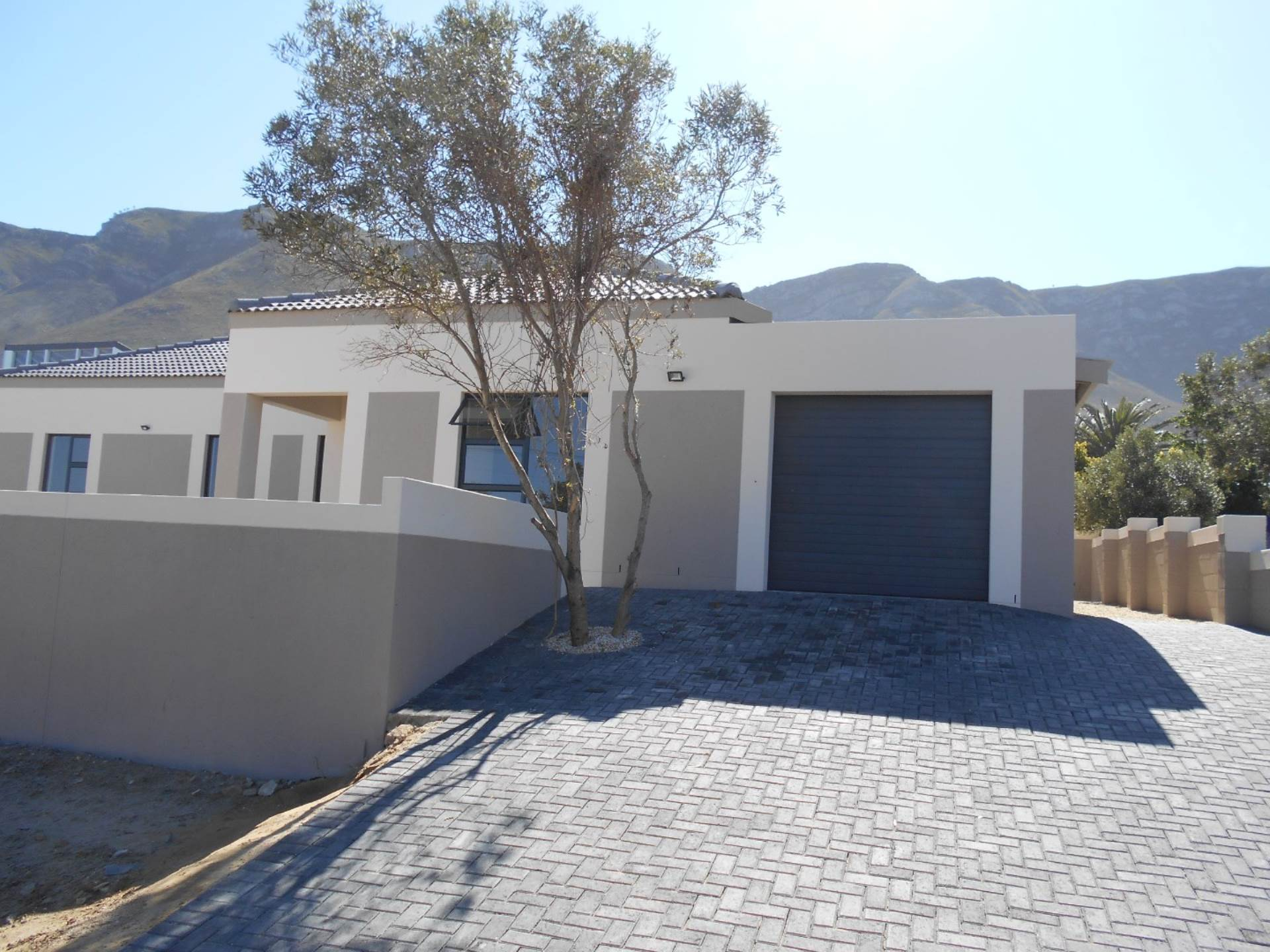 4 BedroomHouse For Sale In Onrus River