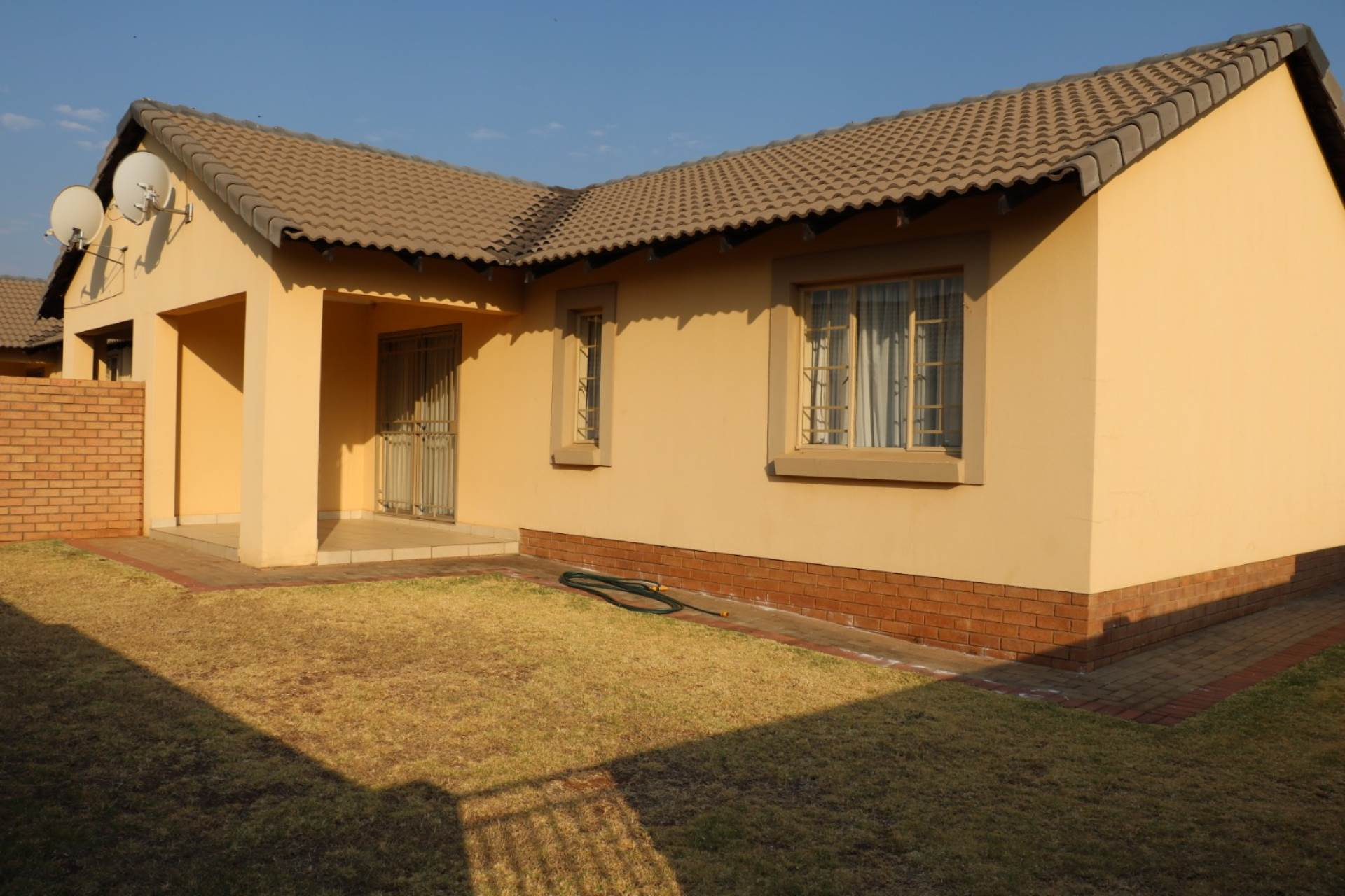 Mooikloof Ridge property for sale. Ref No: 13534203. Picture no 13