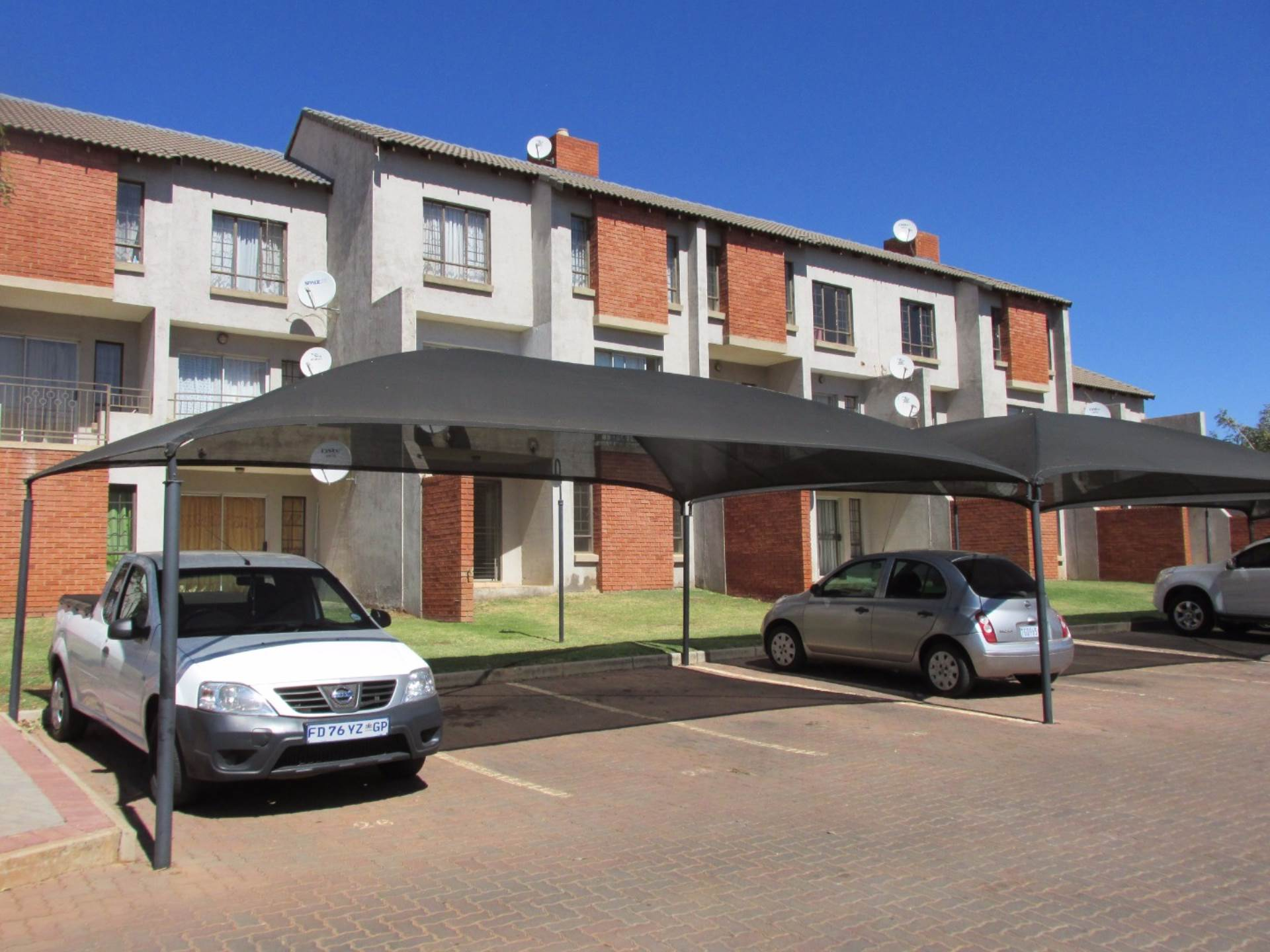 2 BedroomFlat To Rent In The Orchards