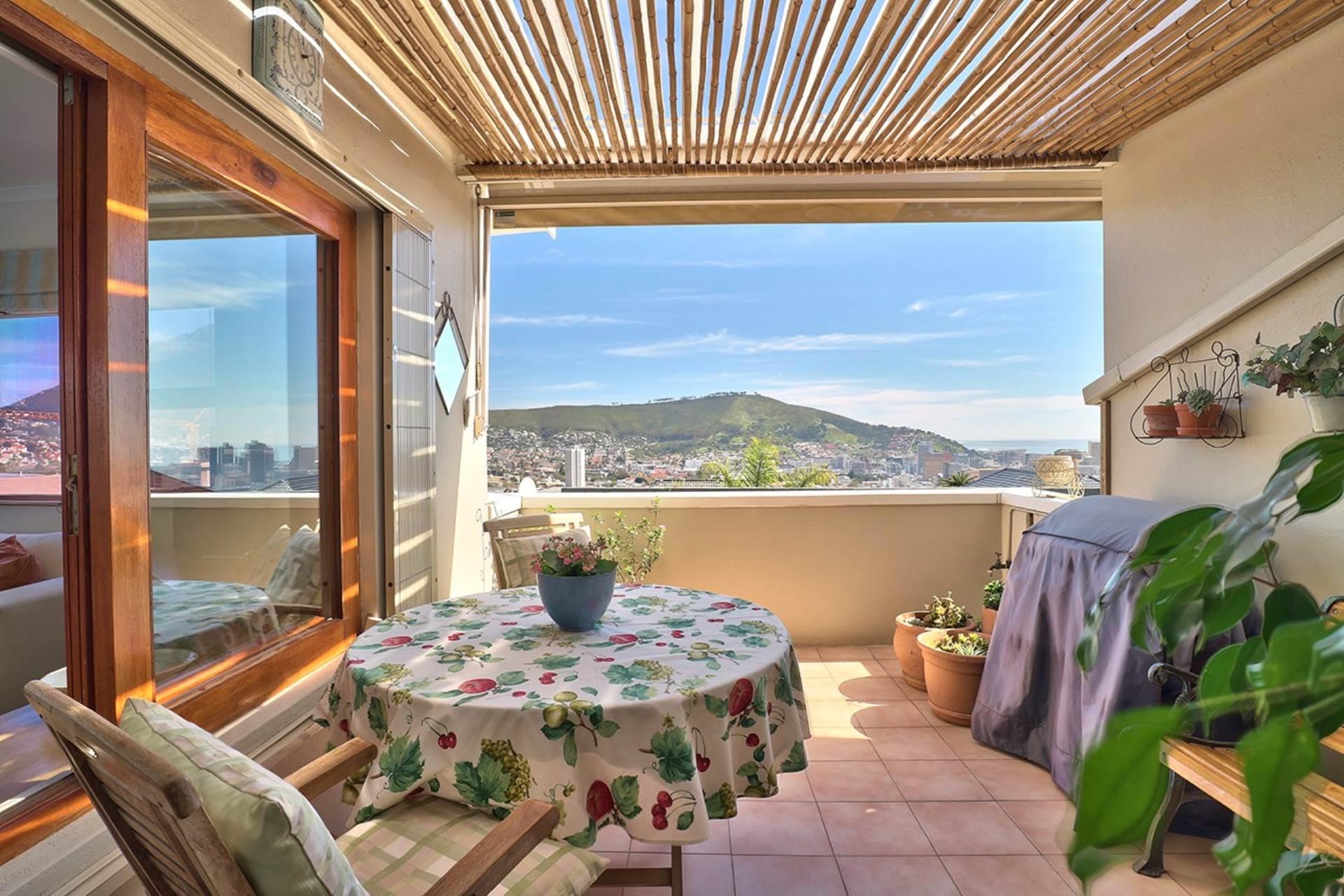 Vredehoek property for sale. Ref No: 13534483. Picture no 2