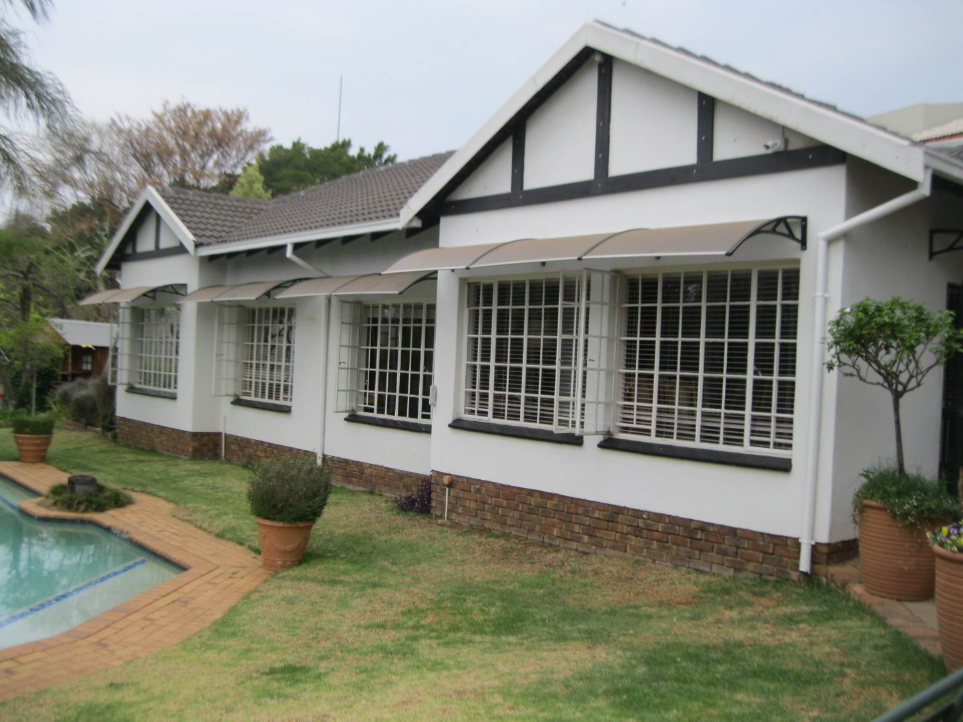 Property and Houses for sale in Newlands, House, 3 Bedrooms - ZAR 2,250,000