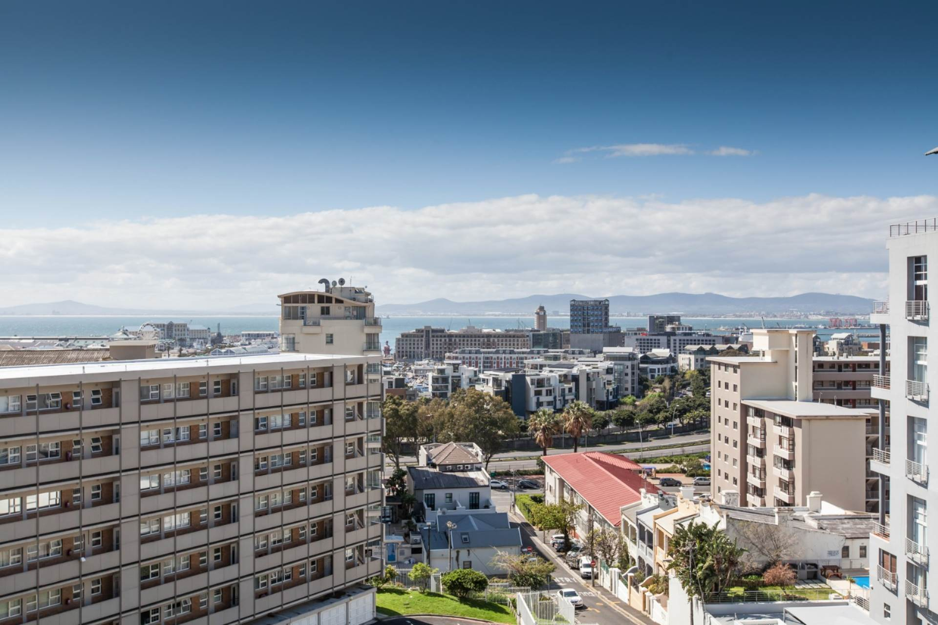 Green Point property for sale. Ref No: 13534600. Picture no 1