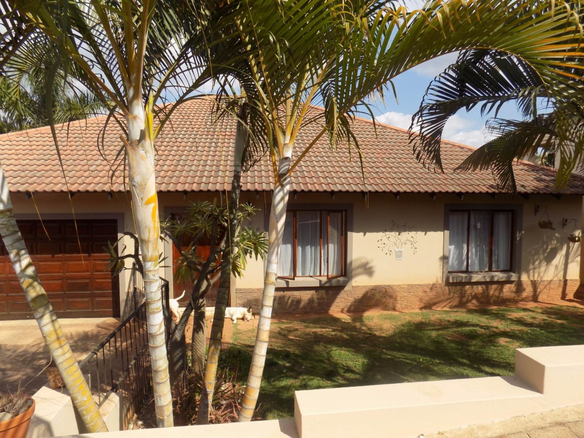 3 BedroomHouse For Sale In Tzangeni