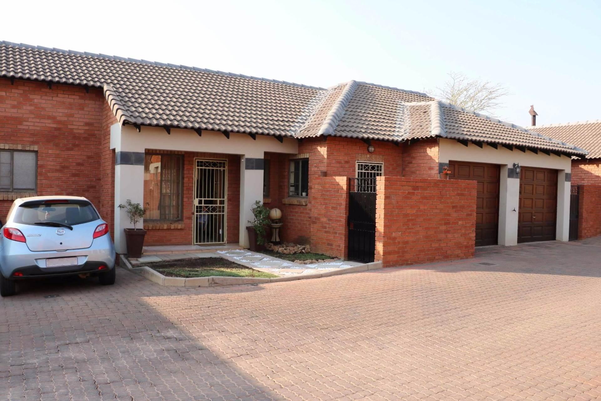 Pretoria, Mooikloof Ridge Property  | Houses For Sale Mooikloof Ridge, MOOIKLOOF RIDGE, Townhouse 3 bedrooms property for sale Price:1,250,000
