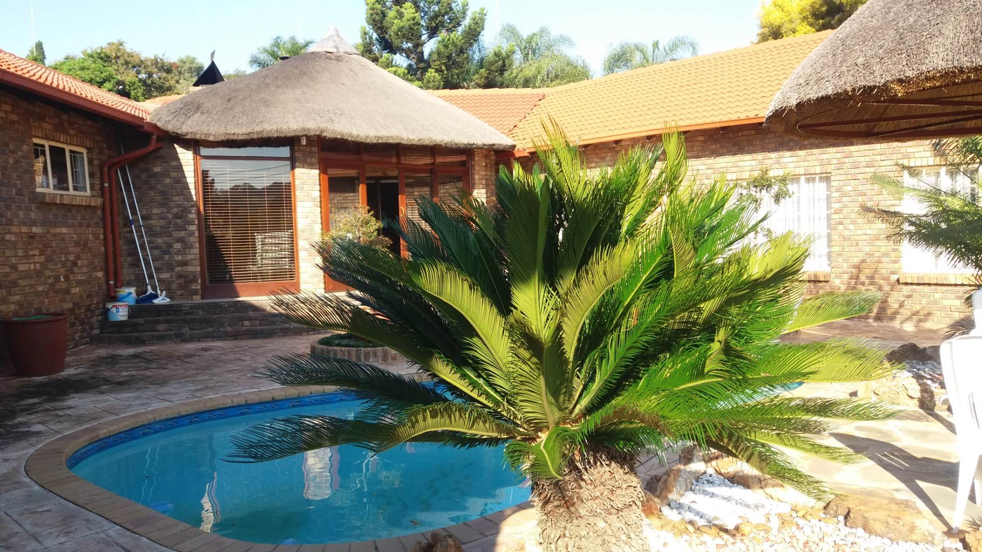 Property and Houses for sale in Moreleta Park, House, 4 Bedrooms - ZAR 2,690,000