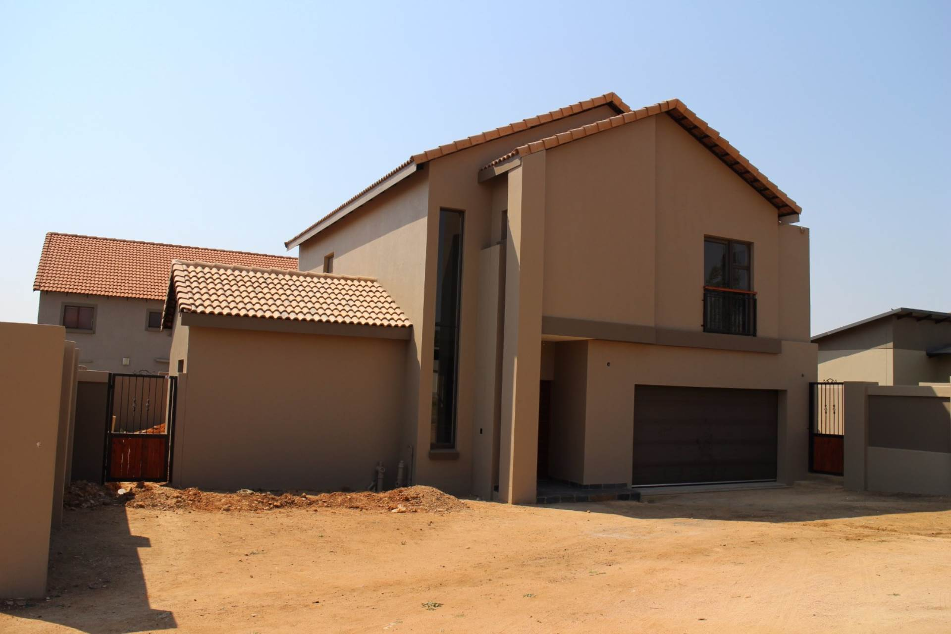 Property and Houses for sale in The Meadows, House, 3 Bedrooms - ZAR 2,850,000