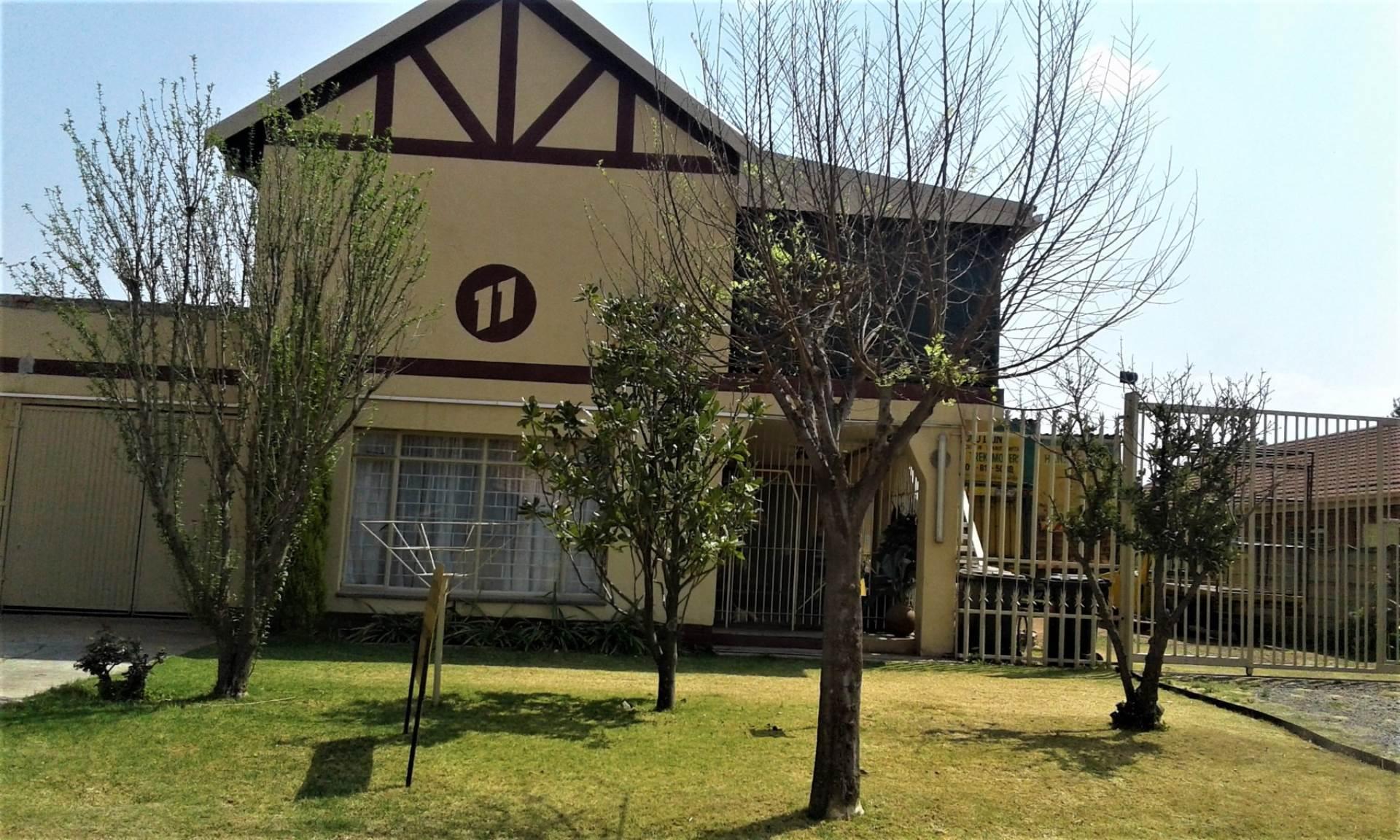 6 BedroomHouse For Sale In Petersfield