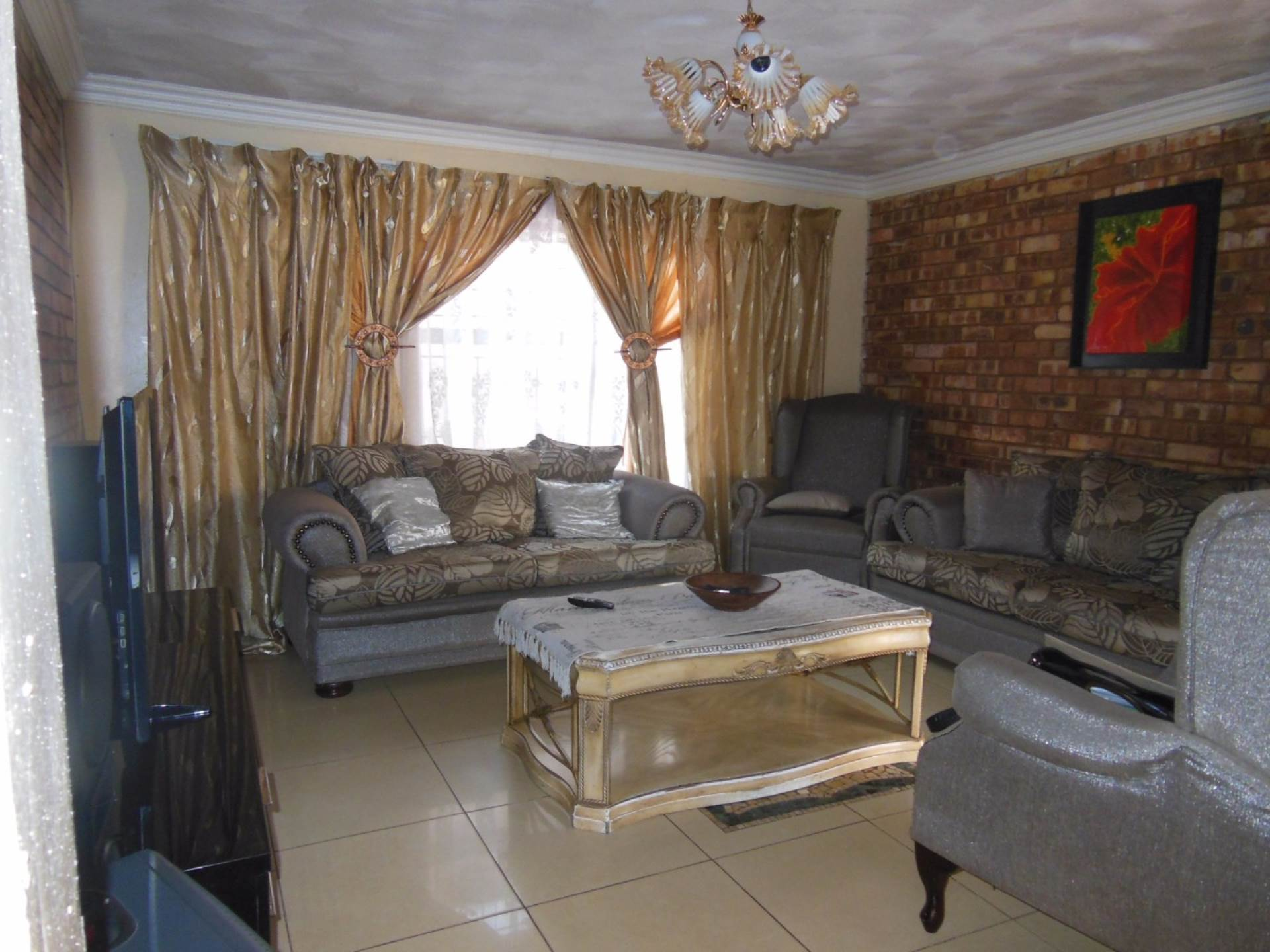 Property and Houses for sale in Eersterust, House, 4 Bedrooms - ZAR 770,000