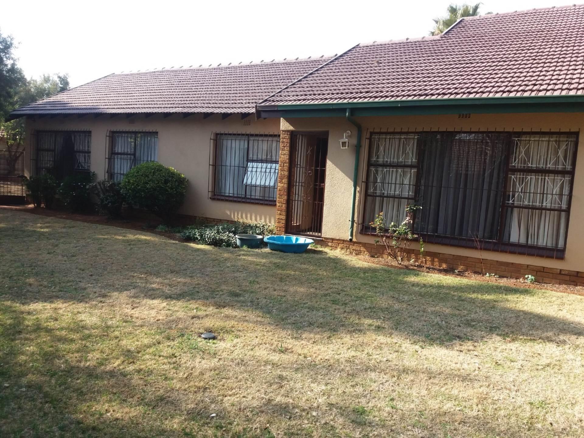 3 BedroomHouse To Rent In Petersfield