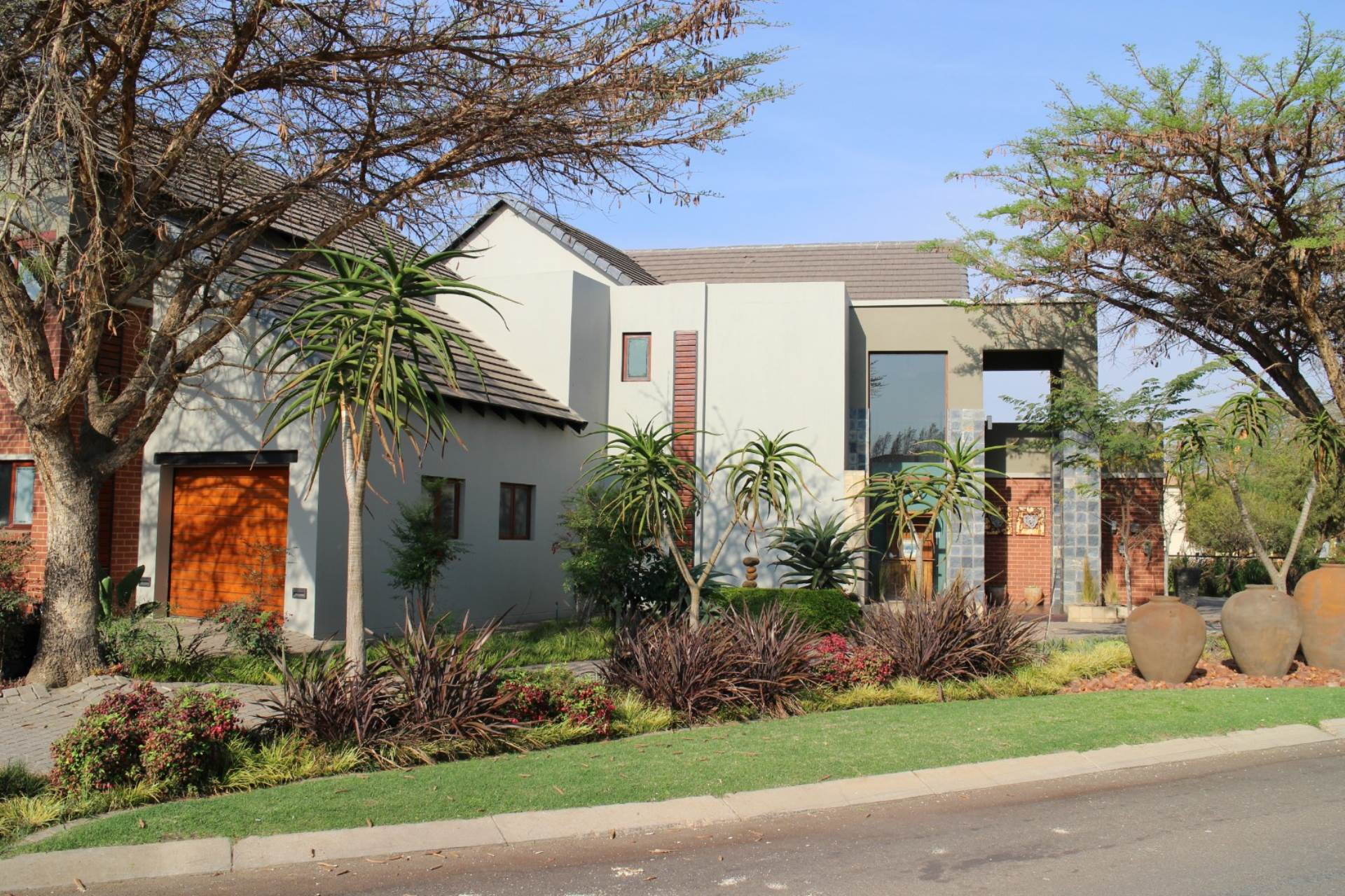 Property and Houses for sale in Willow Acres Estate, House, 5 Bedrooms - ZAR 3,899,000