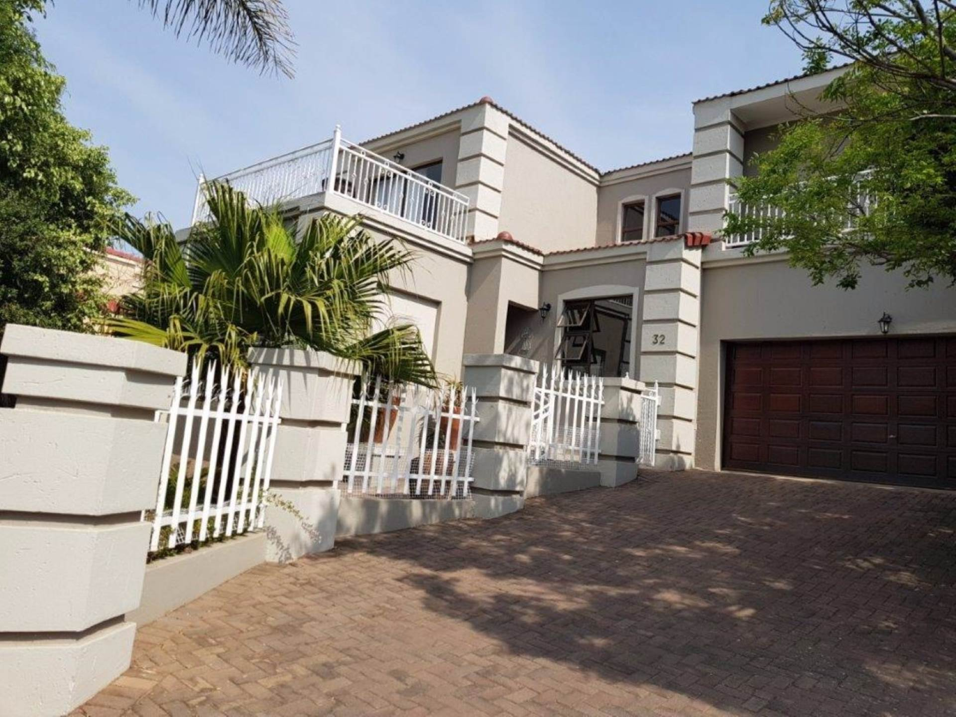 4 BedroomHouse To Rent In Featherbrooke Estate