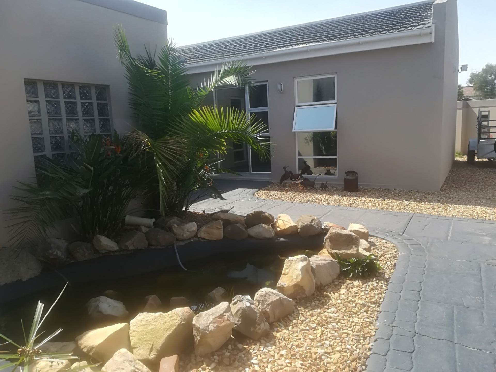4 BedroomHouse Pending Sale In Table View