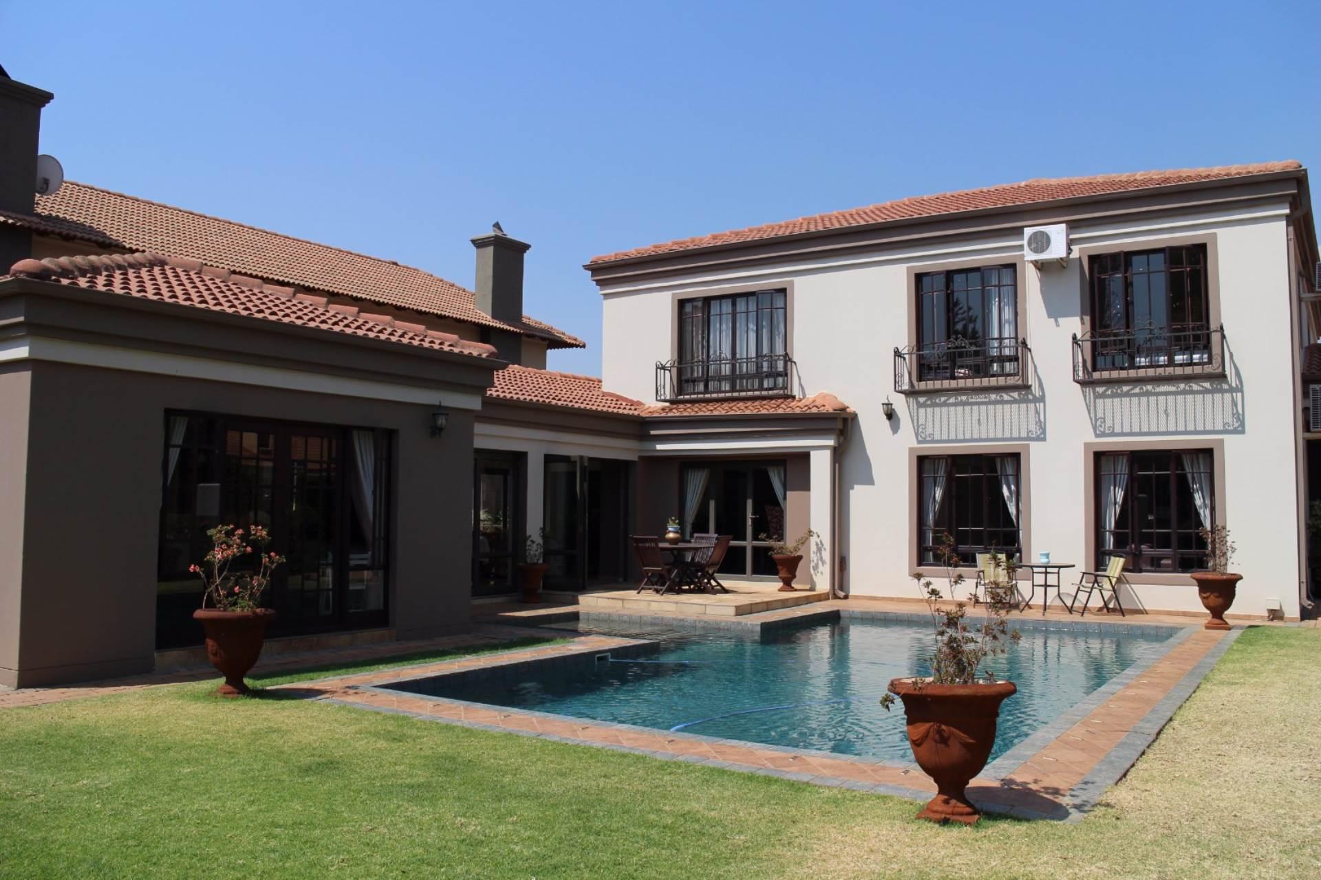 , House, 5 Bedrooms - ZAR 5,900,000